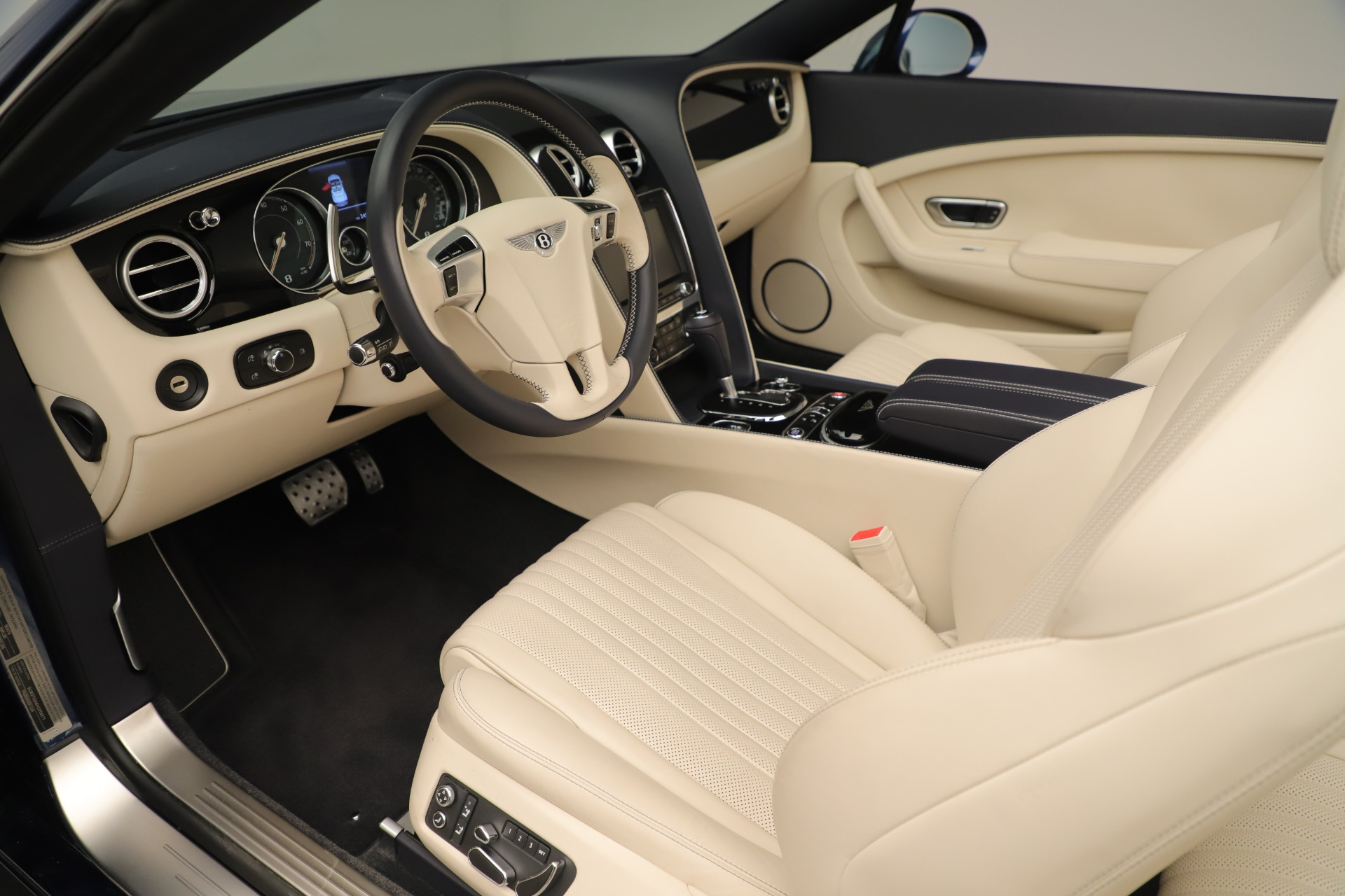 Used 2017 Bentley Continental GT V8 For Sale In Greenwich, CT 3488_p24