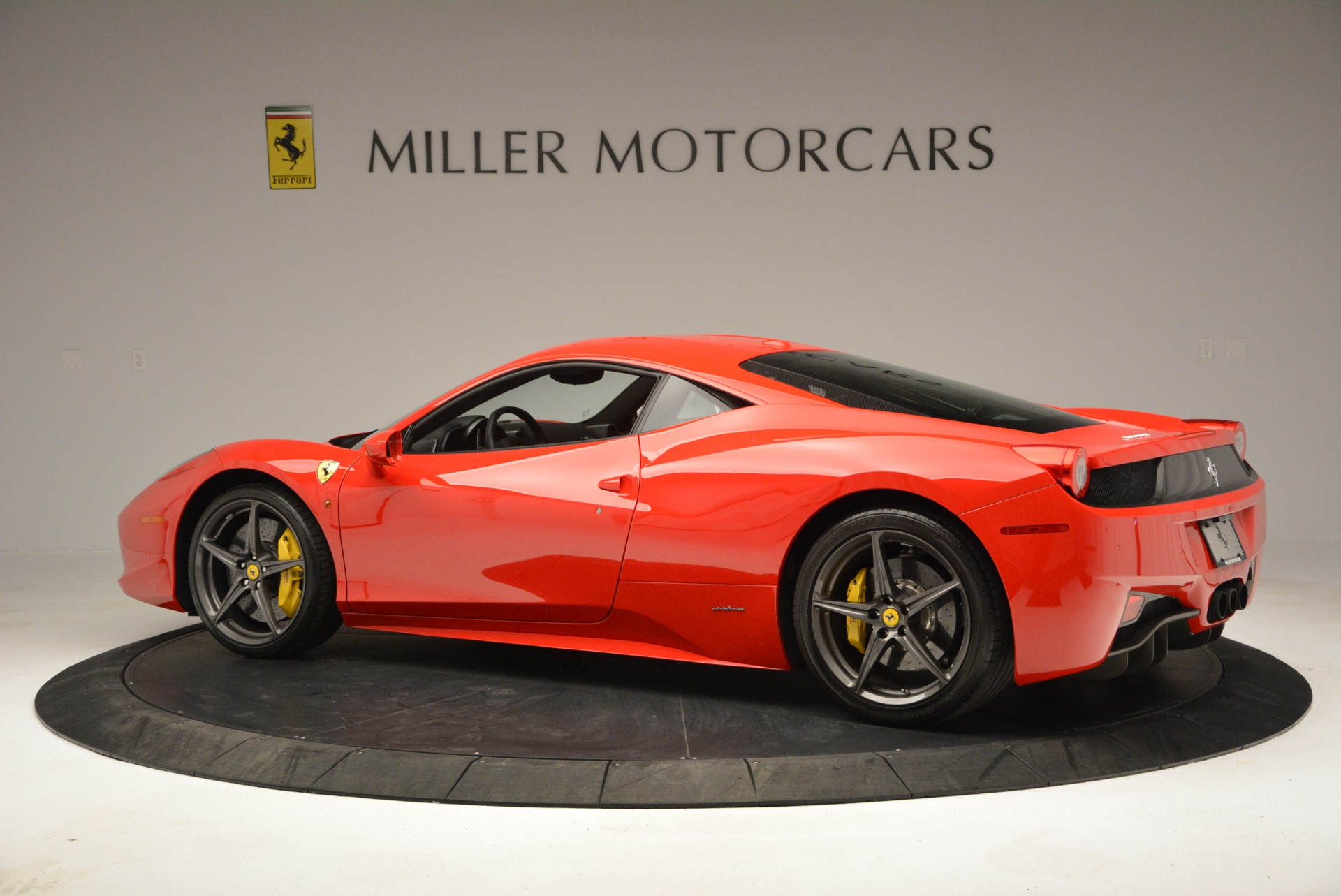 Used 2013 Ferrari 458 Italia  For Sale In Greenwich, CT 3490_p4