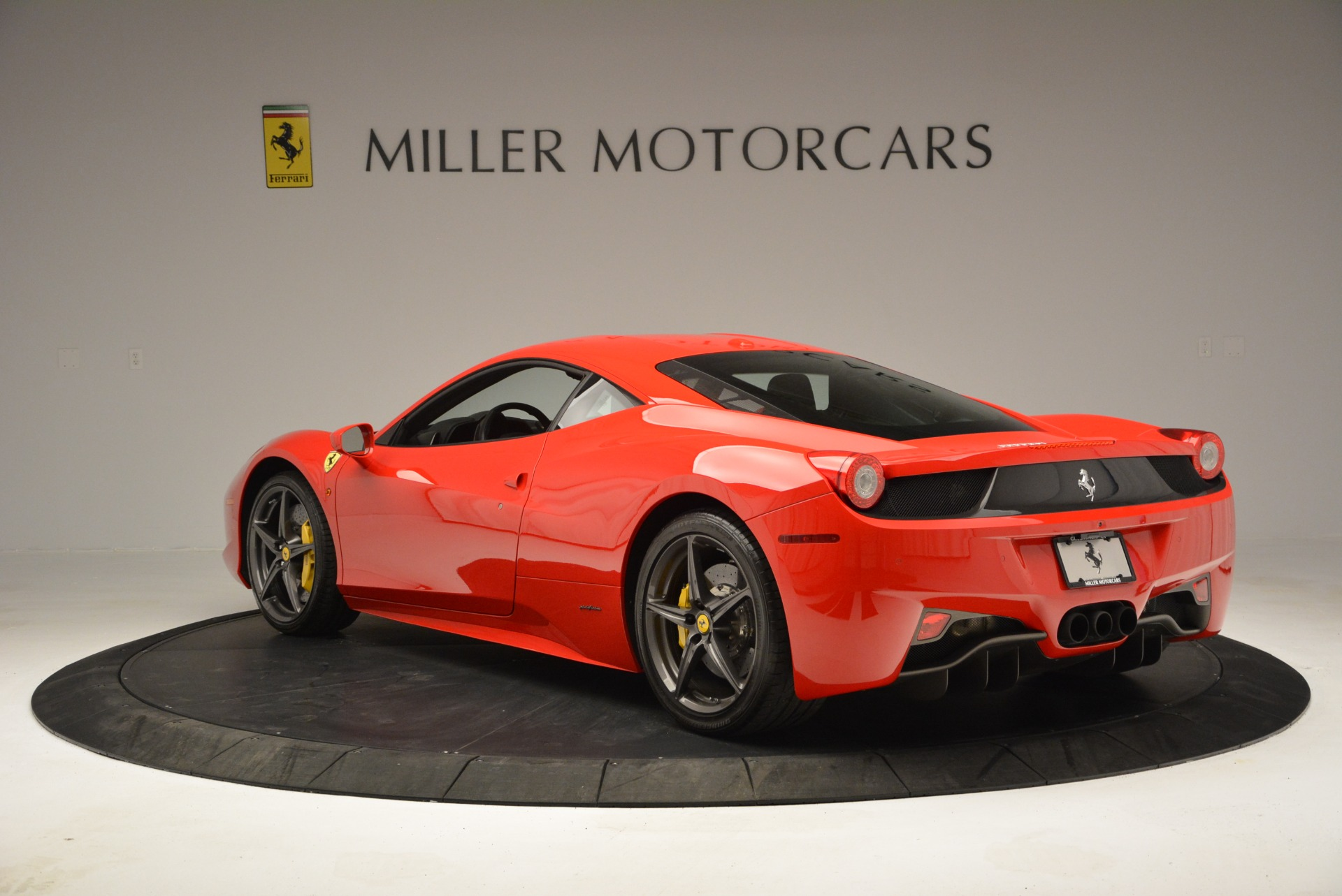 Used 2013 Ferrari 458 Italia  For Sale In Greenwich, CT 3490_p5