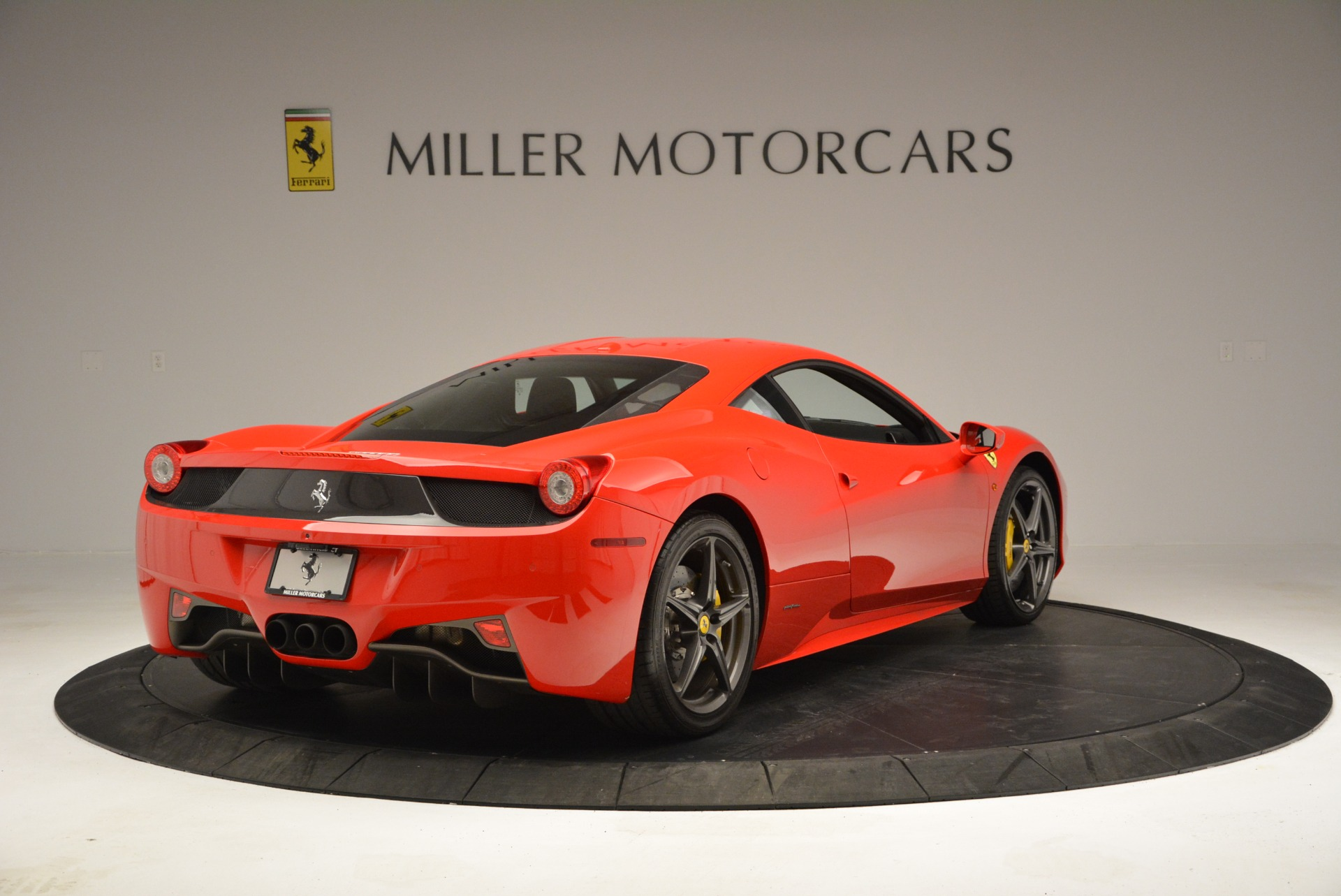 Used 2013 Ferrari 458 Italia  For Sale In Greenwich, CT 3490_p7