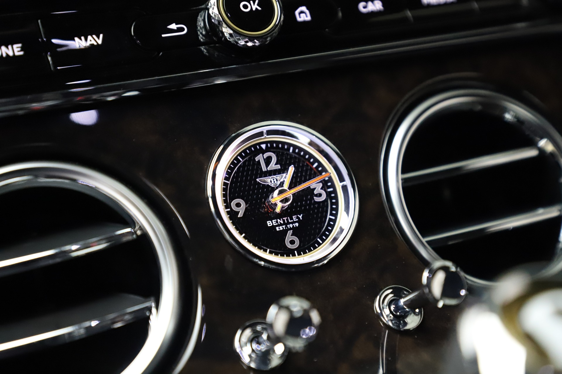 Used 2020 Bentley Continental GT V8 For Sale In Greenwich, CT 3504_p23