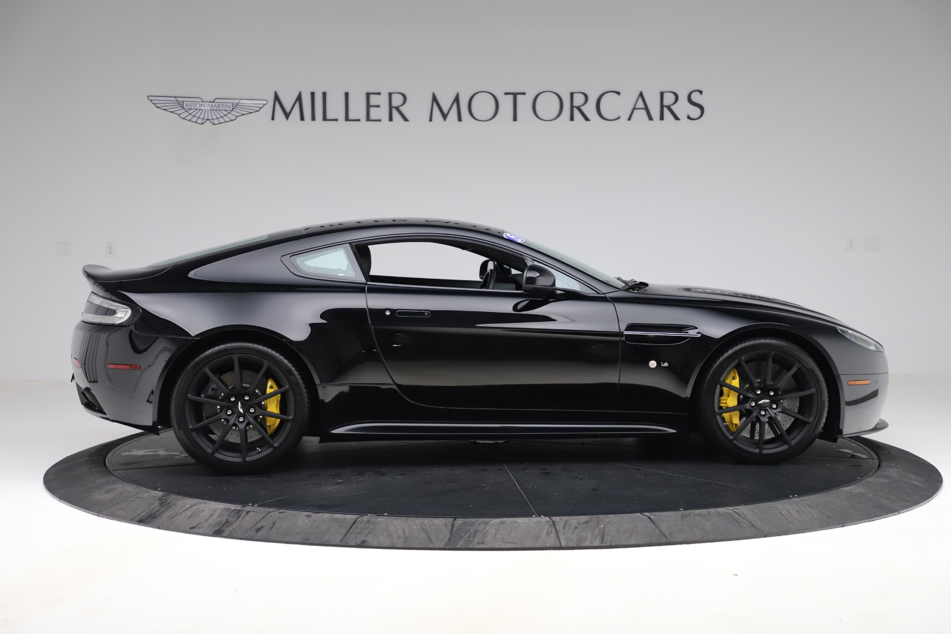 Used 2015 Aston Martin V12 Vantage S Coupe For Sale In Greenwich, CT 3513_p8