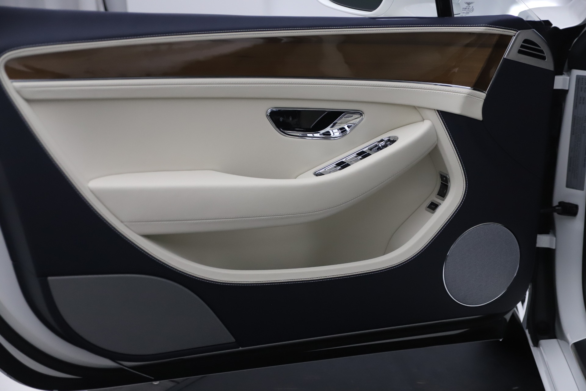 New 2020 Bentley Continental GTC V8 For Sale In Greenwich, CT 3516_p22