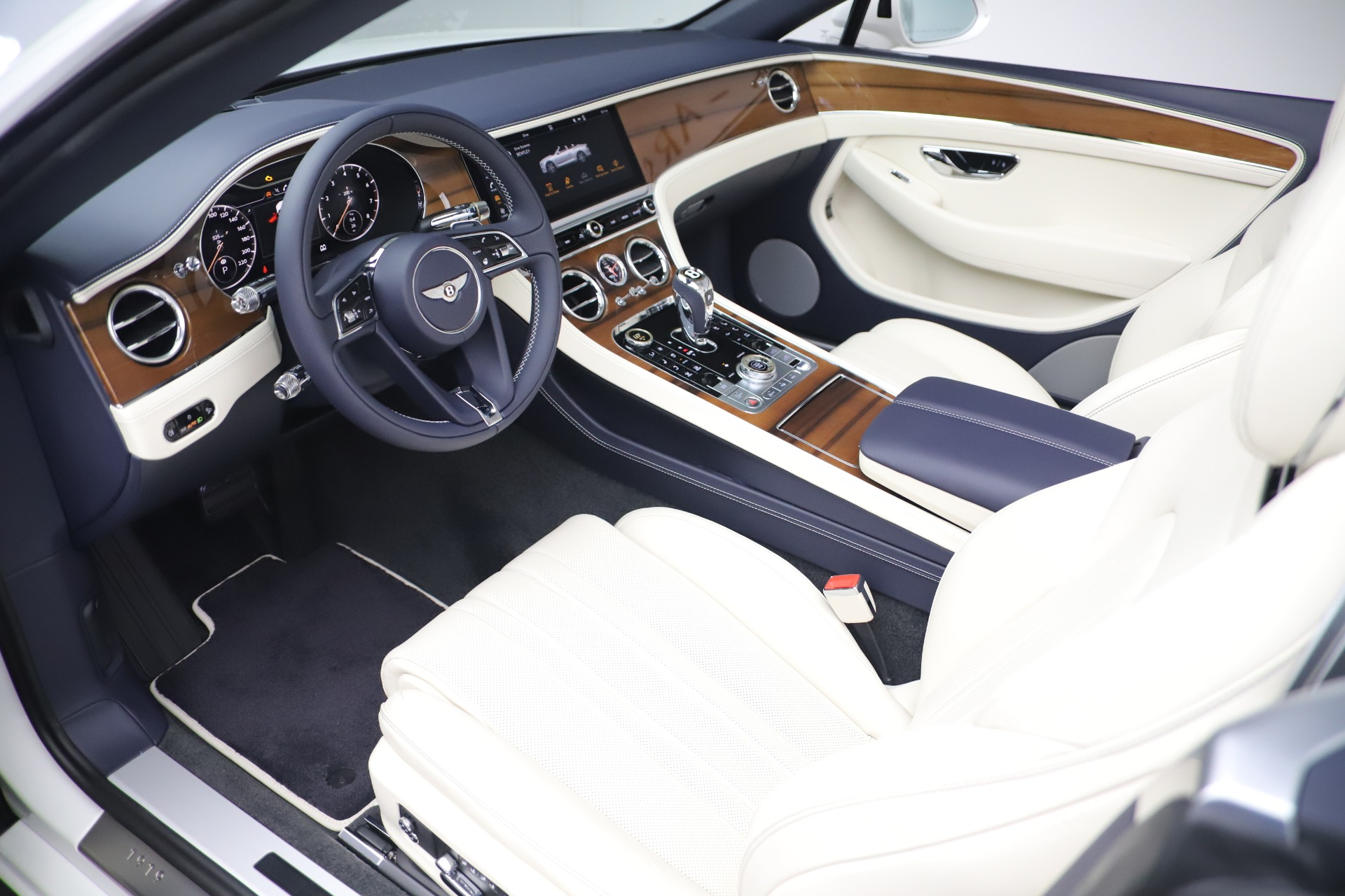 New 2020 Bentley Continental GTC V8 For Sale In Greenwich, CT 3516_p23