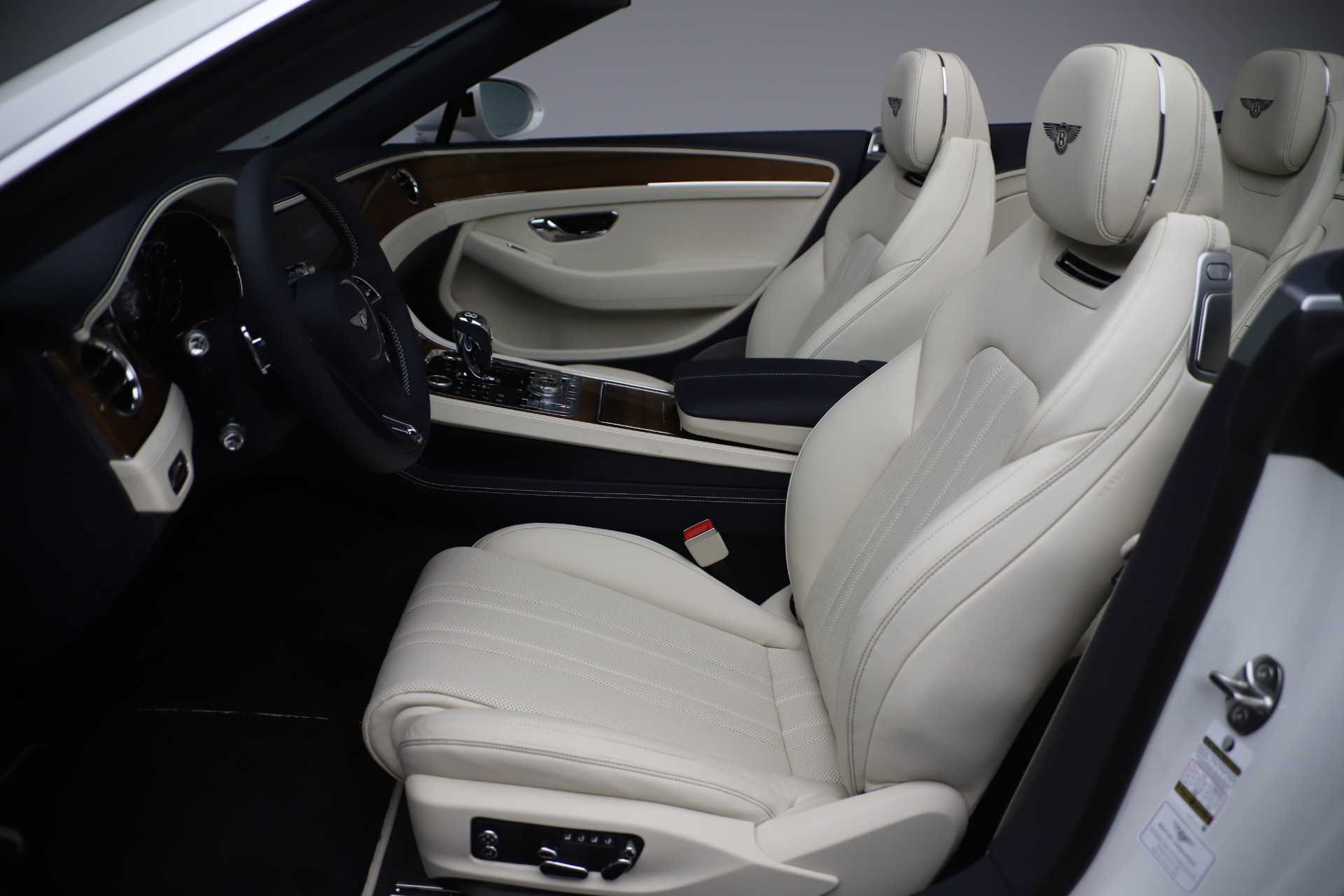 New 2020 Bentley Continental GTC V8 For Sale In Greenwich, CT 3516_p24