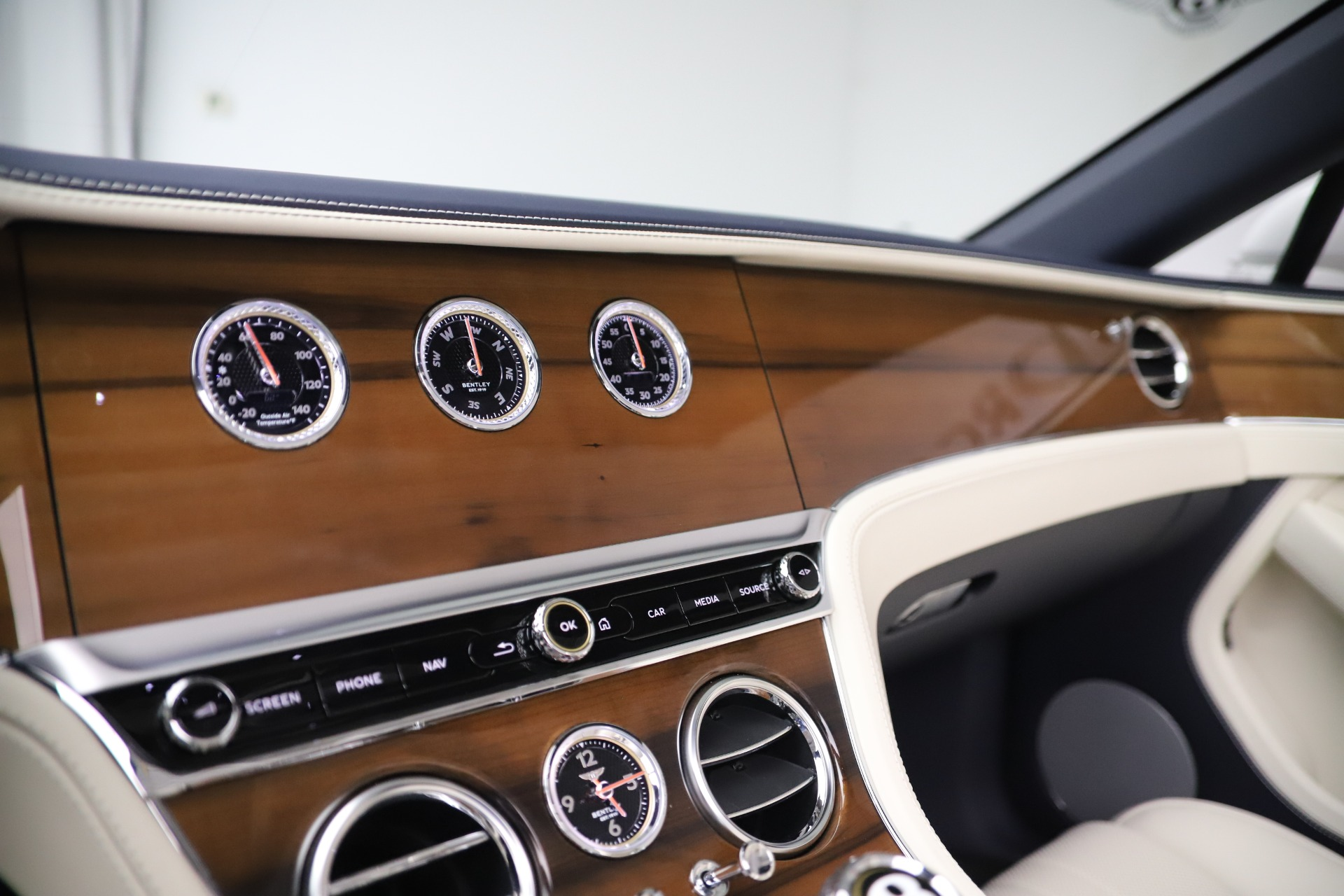 New 2020 Bentley Continental GTC V8 For Sale In Greenwich, CT 3516_p29