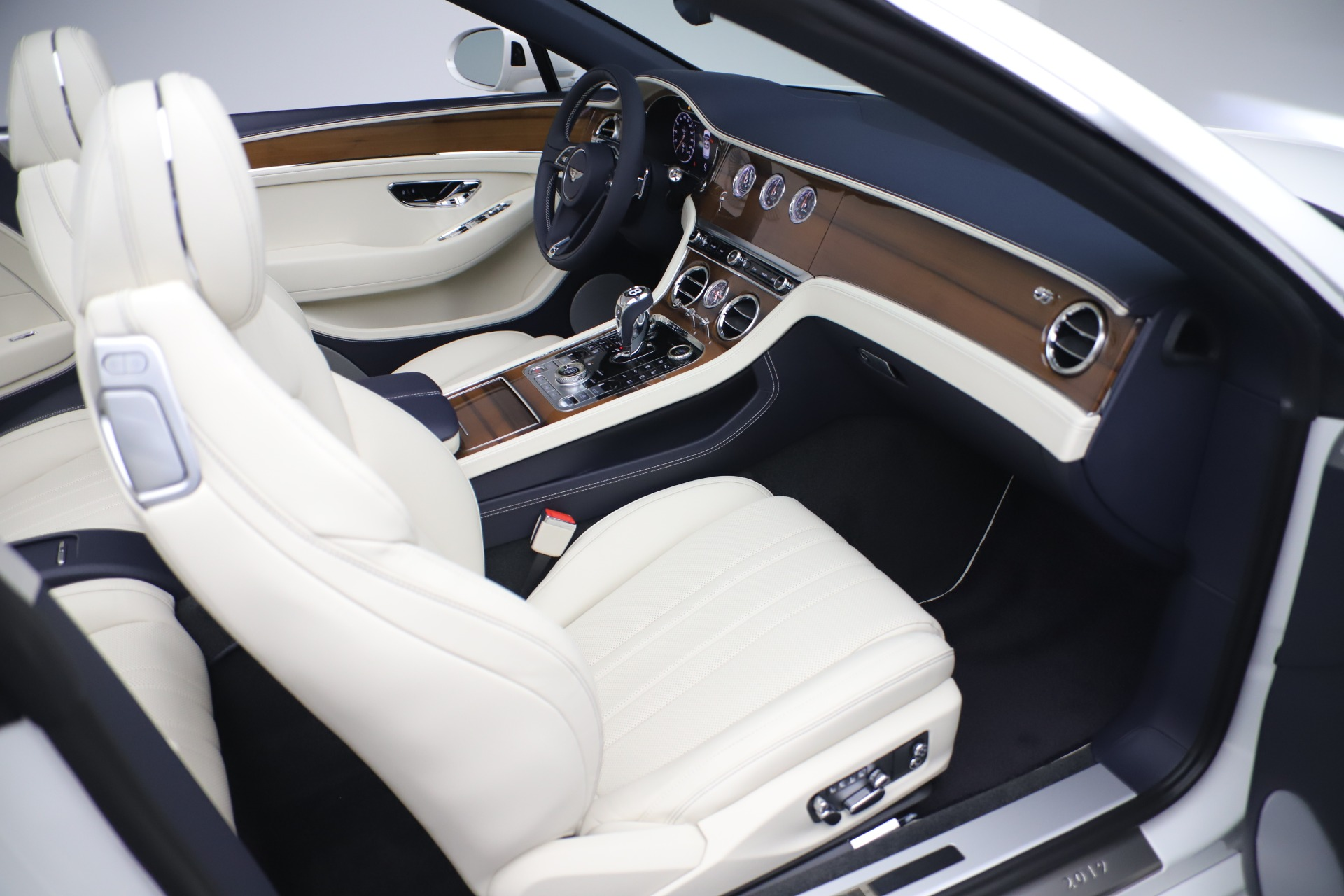 New 2020 Bentley Continental GTC V8 For Sale In Greenwich, CT 3516_p31