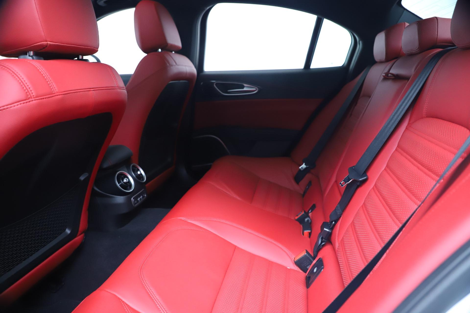 New 2019 Alfa Romeo Giulia Ti Sport Carbon Q4 For Sale In Greenwich, CT 3518_p19