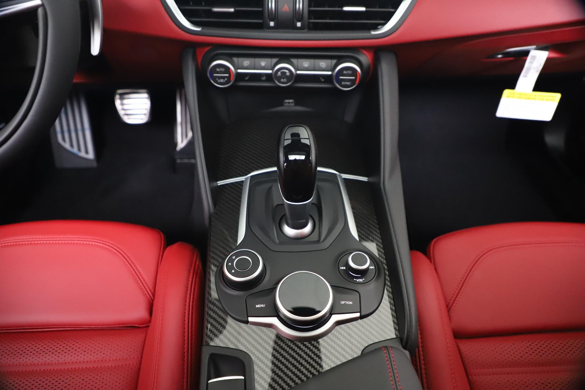 New 2019 Alfa Romeo Giulia Ti Sport Carbon Q4 For Sale In Greenwich, CT 3518_p22