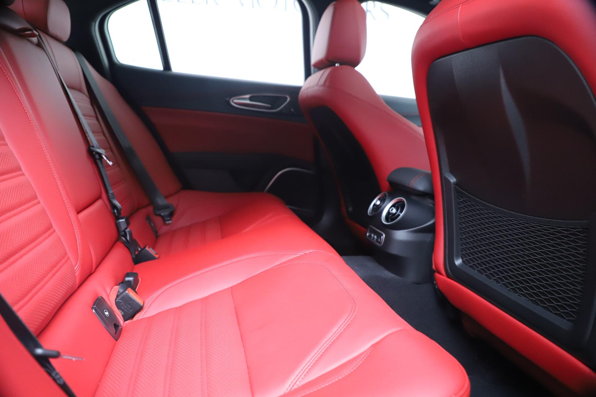 New 2019 Alfa Romeo Giulia Ti Sport Carbon Q4 For Sale In Greenwich, CT 3518_p27