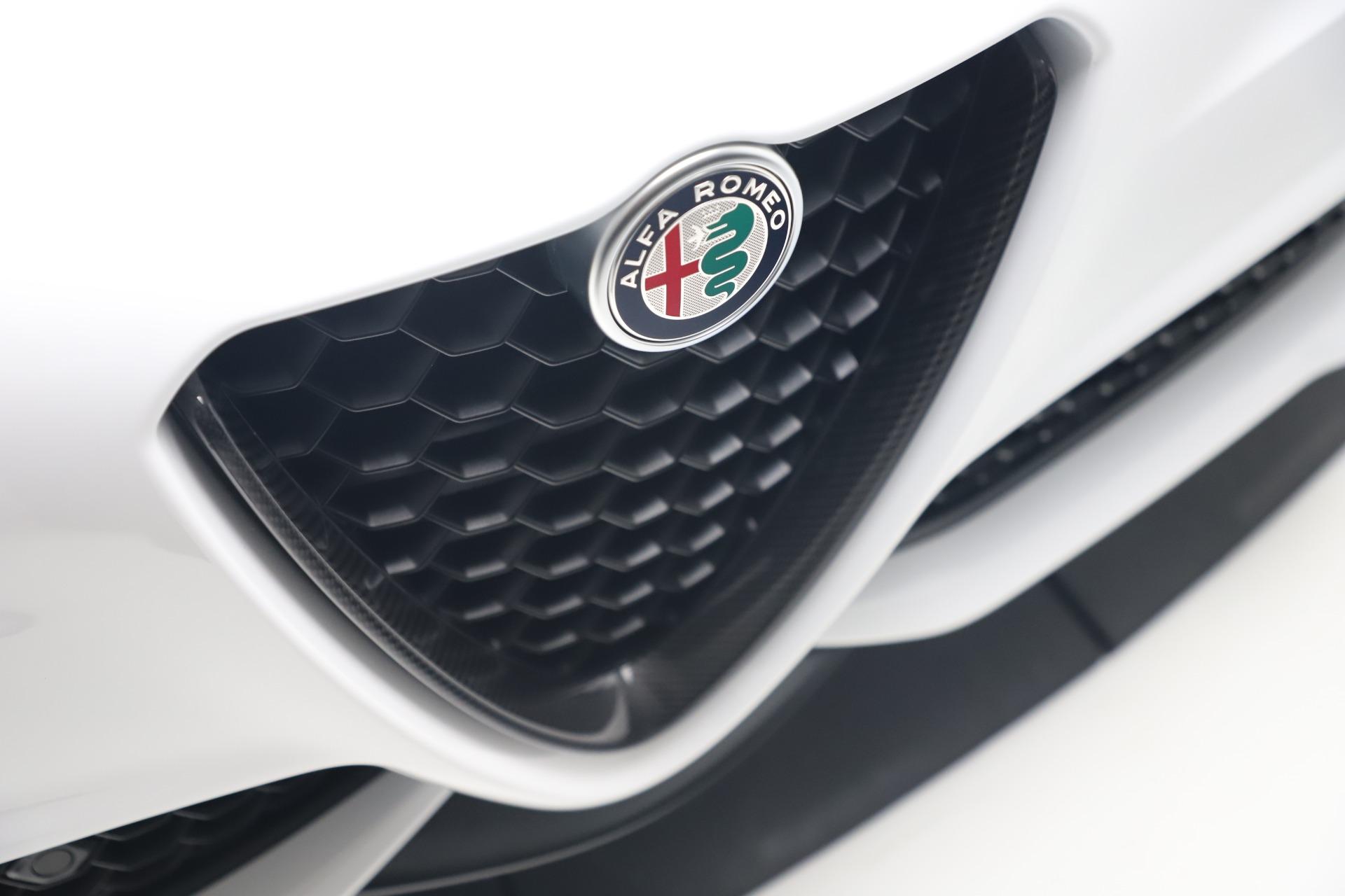 New 2019 Alfa Romeo Giulia Ti Sport Carbon Q4 For Sale In Greenwich, CT 3518_p30