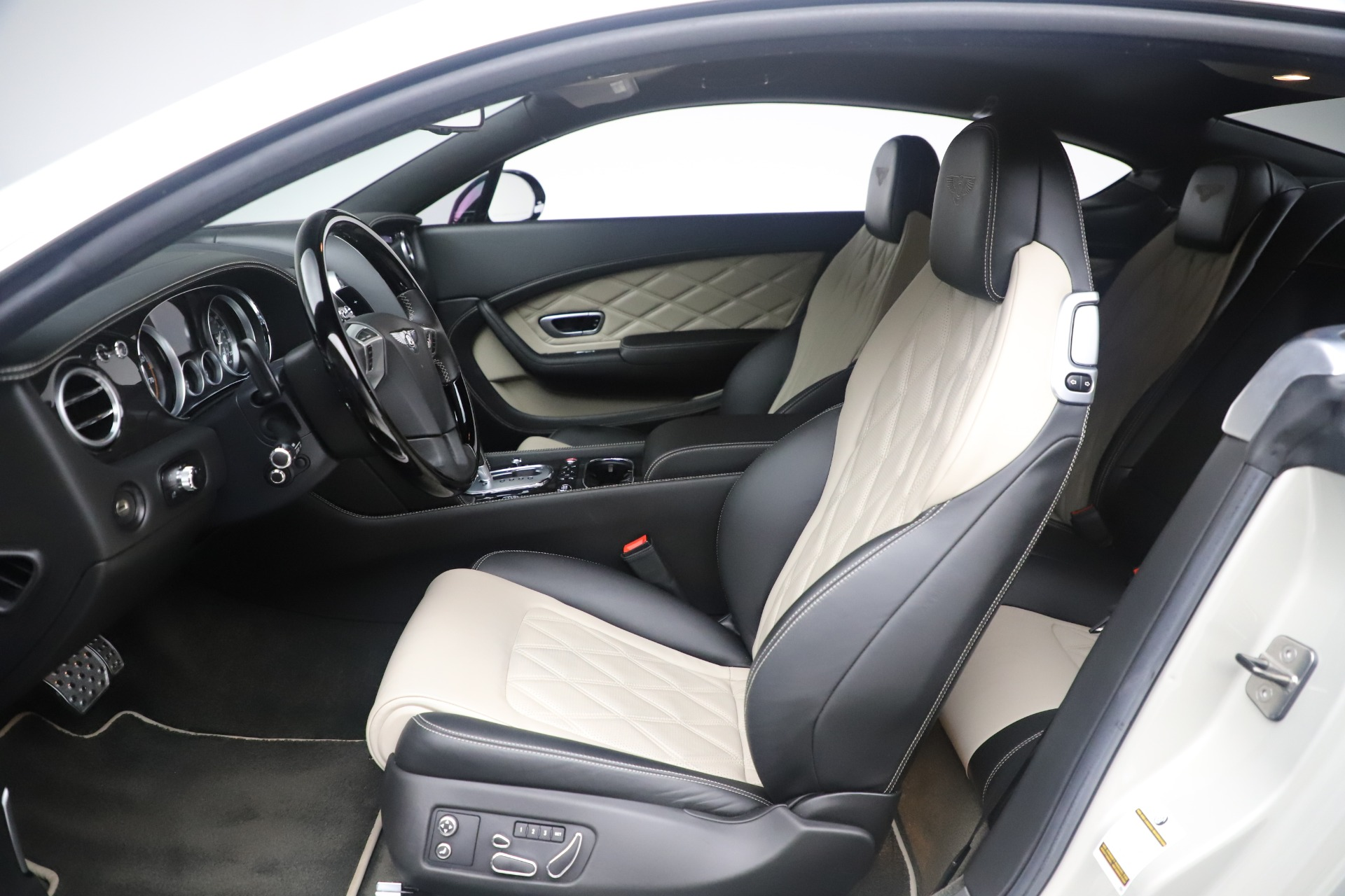 Used 2014 Bentley Continental GT V8 S For Sale In Greenwich, CT 3541_p18