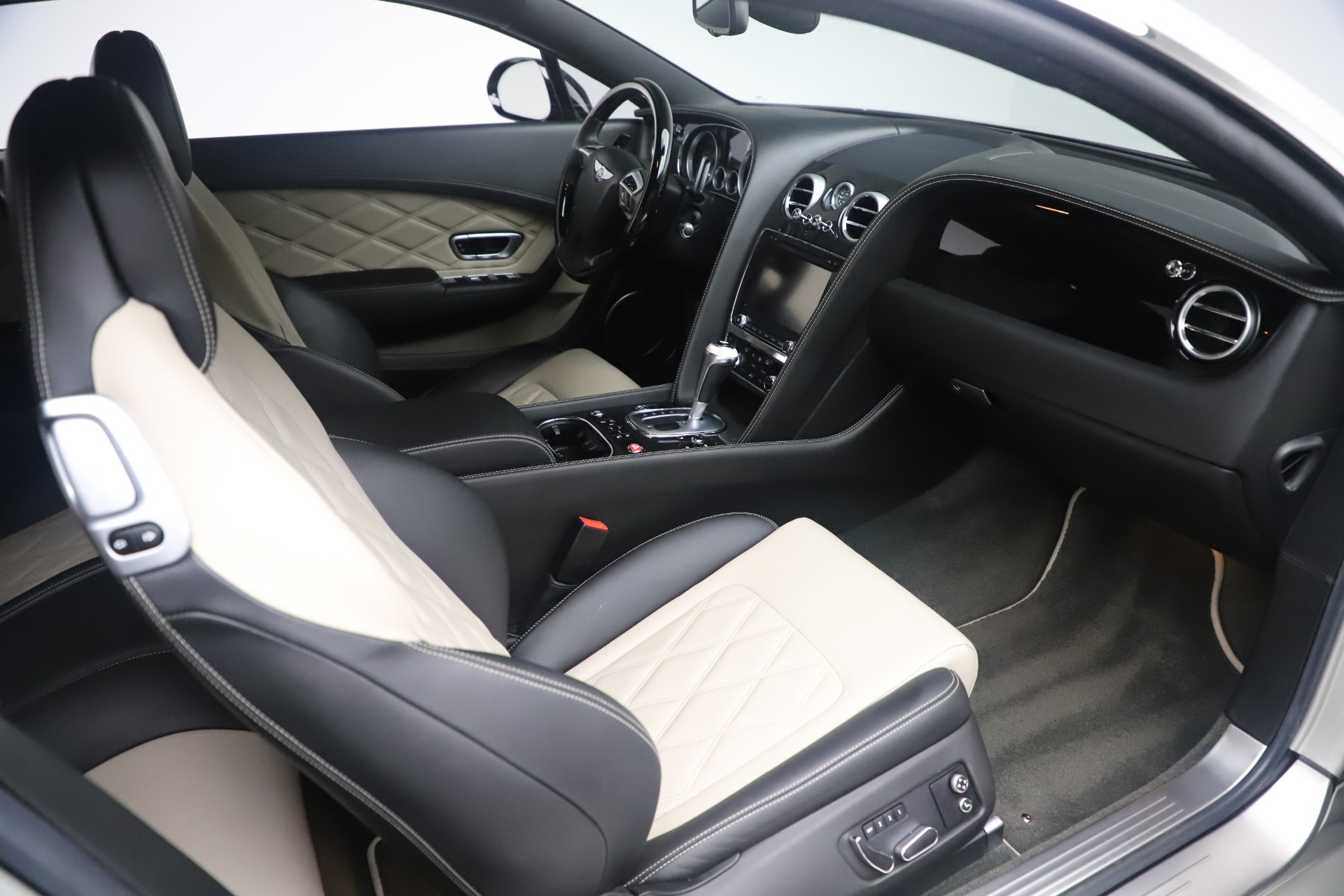 Used 2014 Bentley Continental GT V8 S For Sale In Greenwich, CT 3541_p23