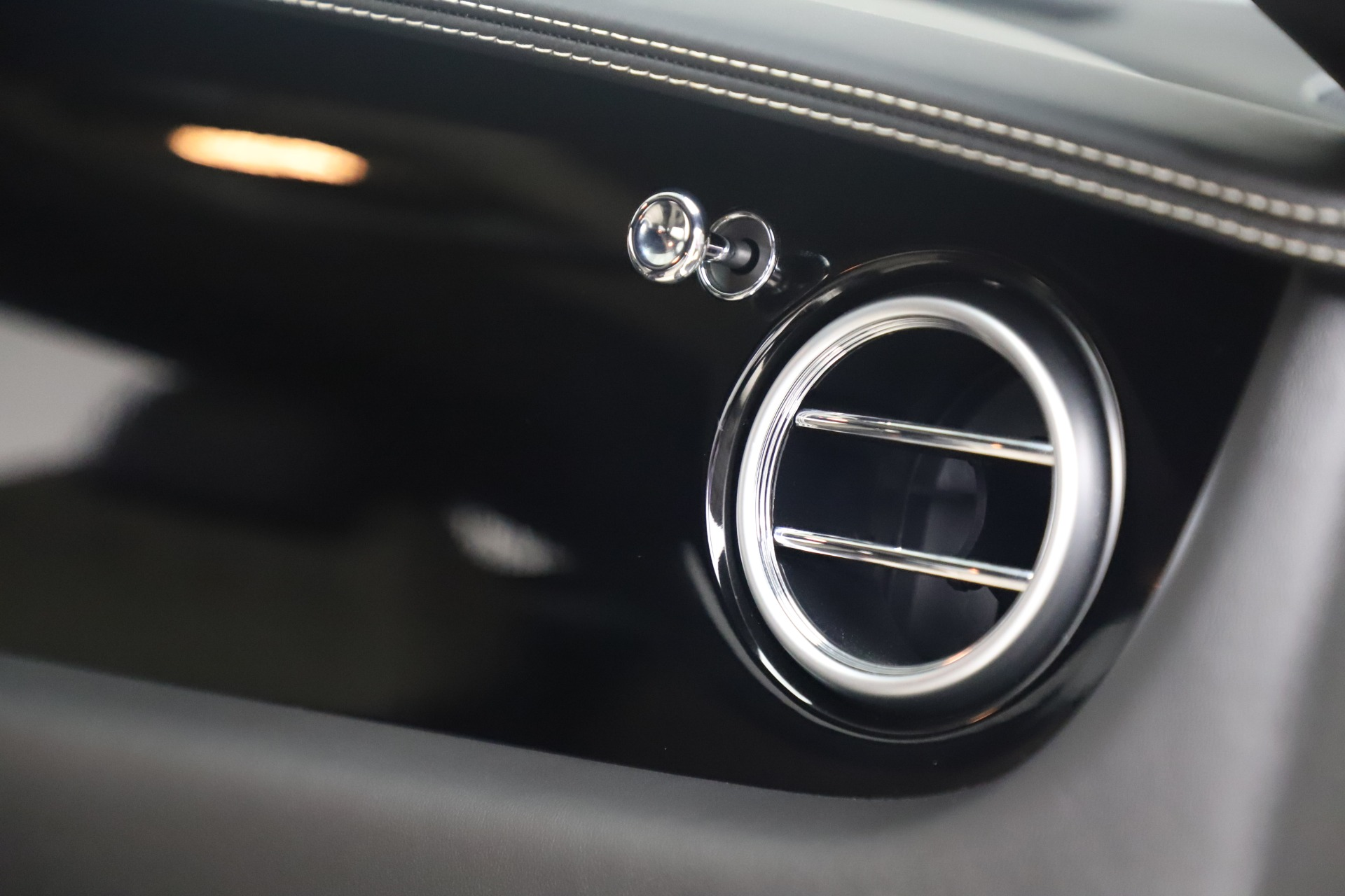 Used 2014 Bentley Continental GT V8 S For Sale In Greenwich, CT 3541_p26