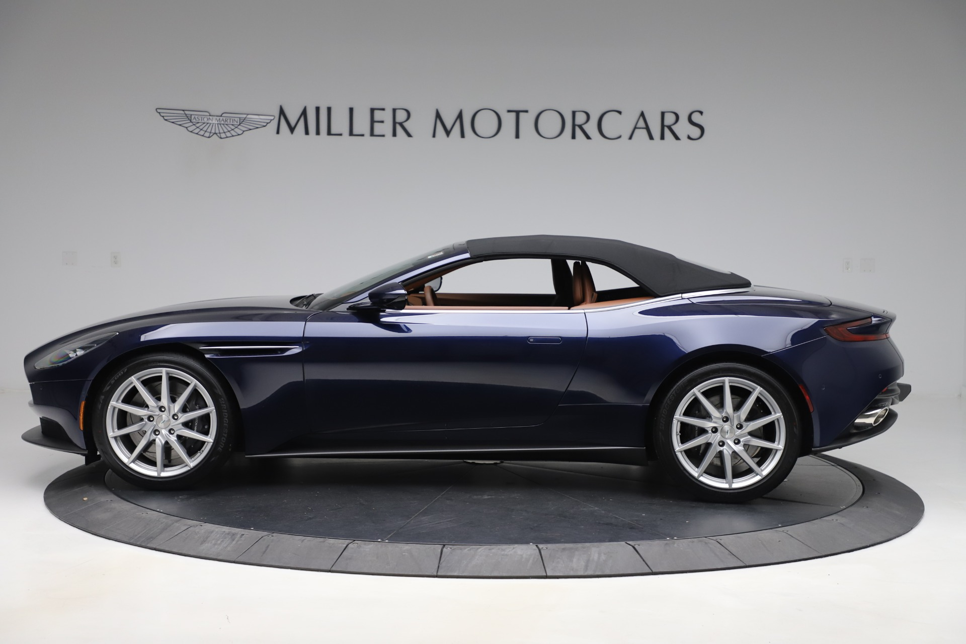 New 2020 Aston Martin DB11 Volante For Sale In Greenwich, CT 3560_p14