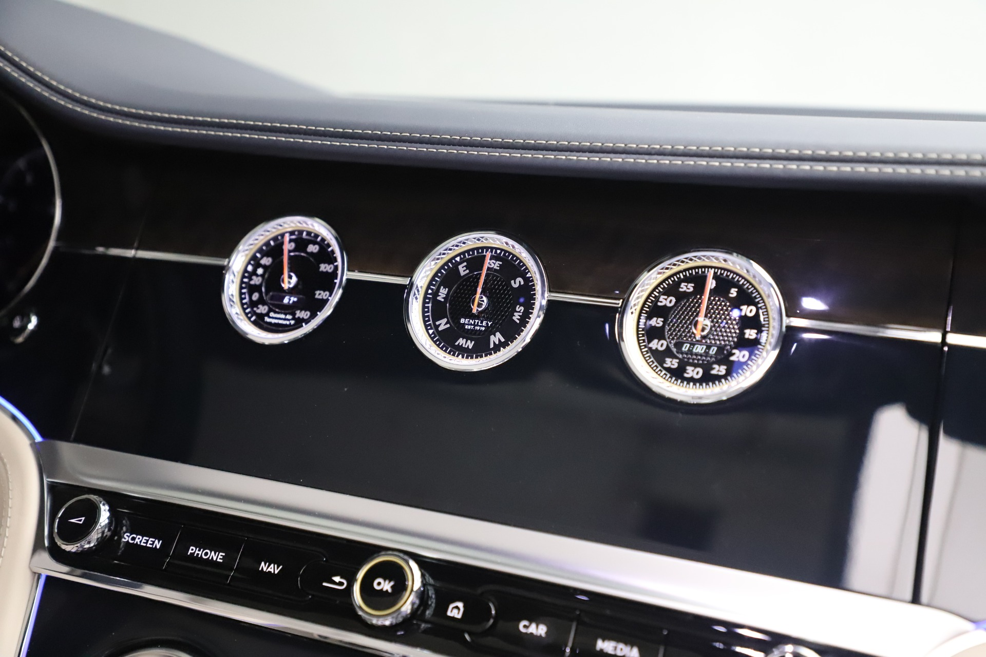 New 2020 Bentley Continental GTC V8 For Sale In Greenwich, CT 3566_p32