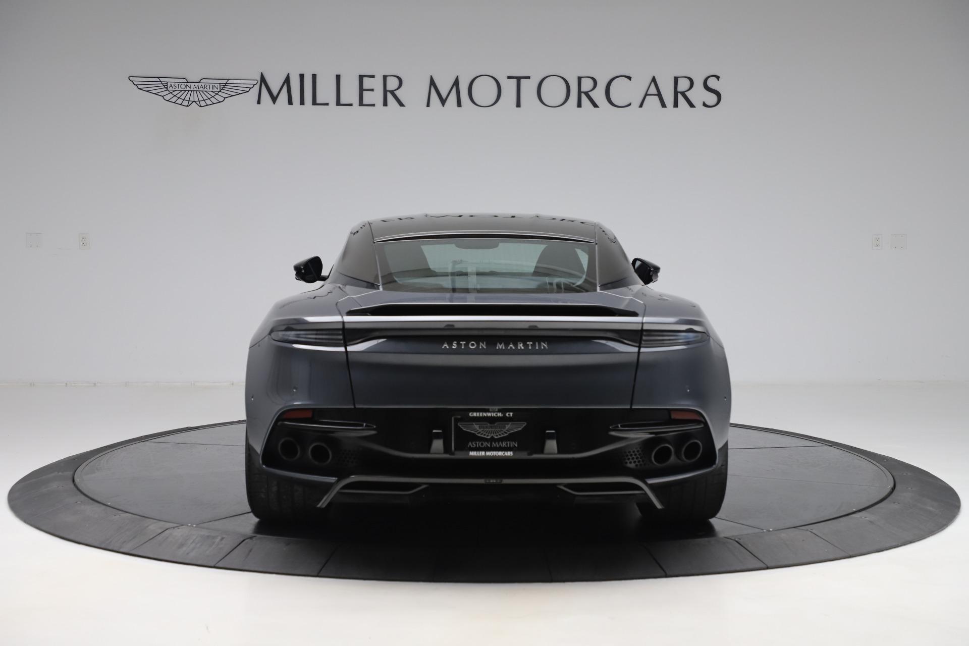 Used 2019 Aston Martin DBS Superleggera For Sale In Greenwich, CT 3570_p6