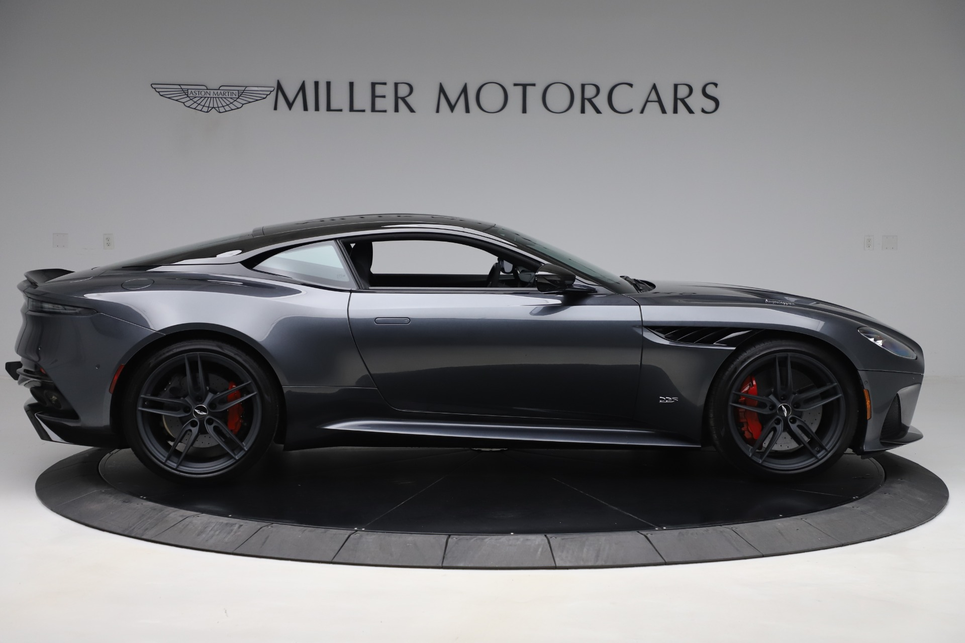 Used 2019 Aston Martin DBS Superleggera For Sale In Greenwich, CT 3570_p9