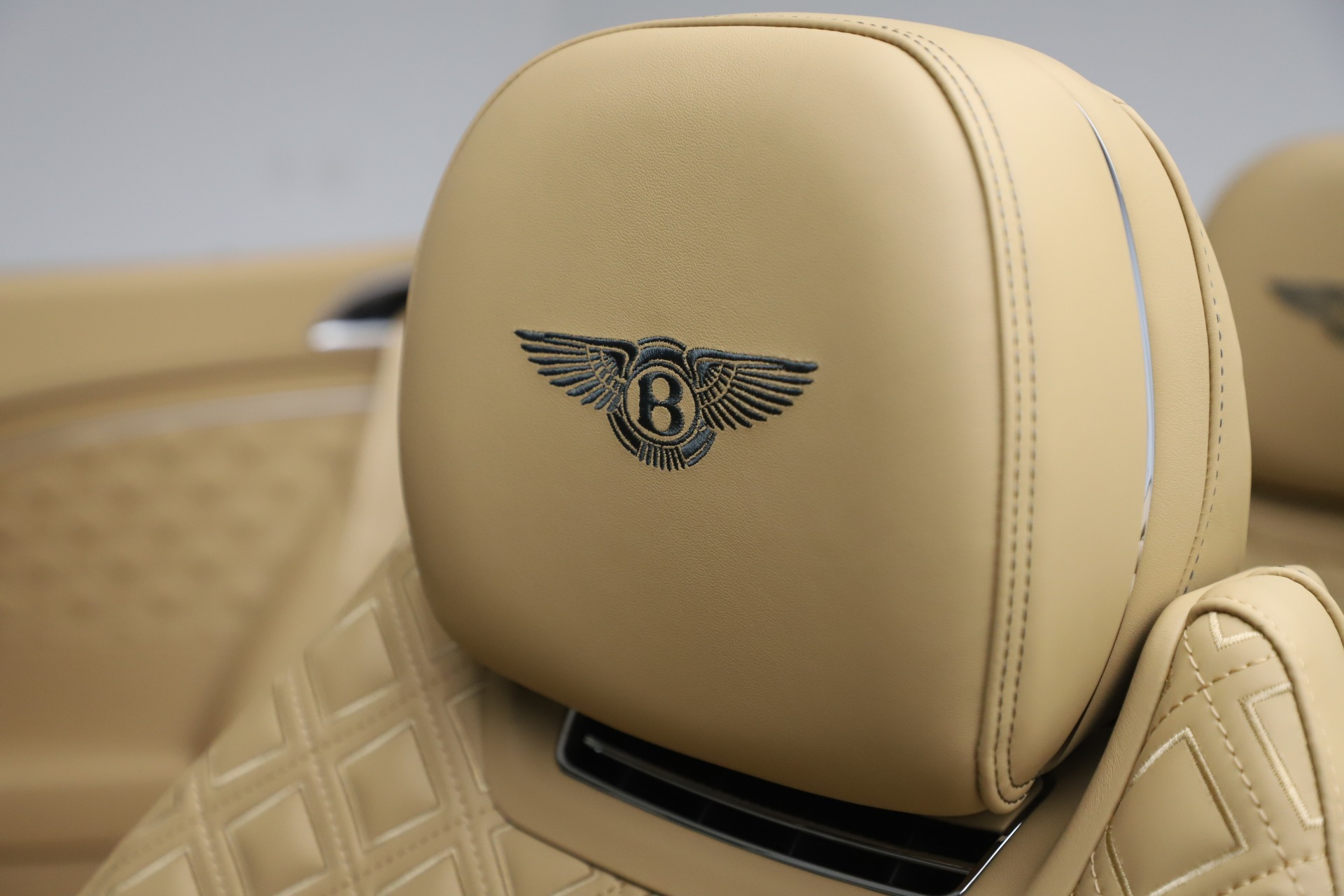 New 2020 Bentley Continental GTC V8 For Sale In Greenwich, CT 3572_p30