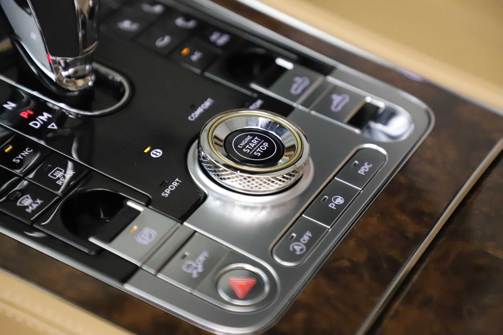 New 2020 Bentley Continental GTC V8 For Sale In Greenwich, CT 3572_p32