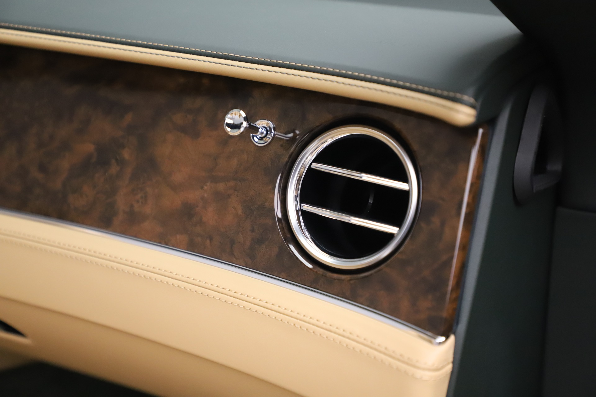 New 2020 Bentley Continental GTC V8 For Sale In Greenwich, CT 3572_p39