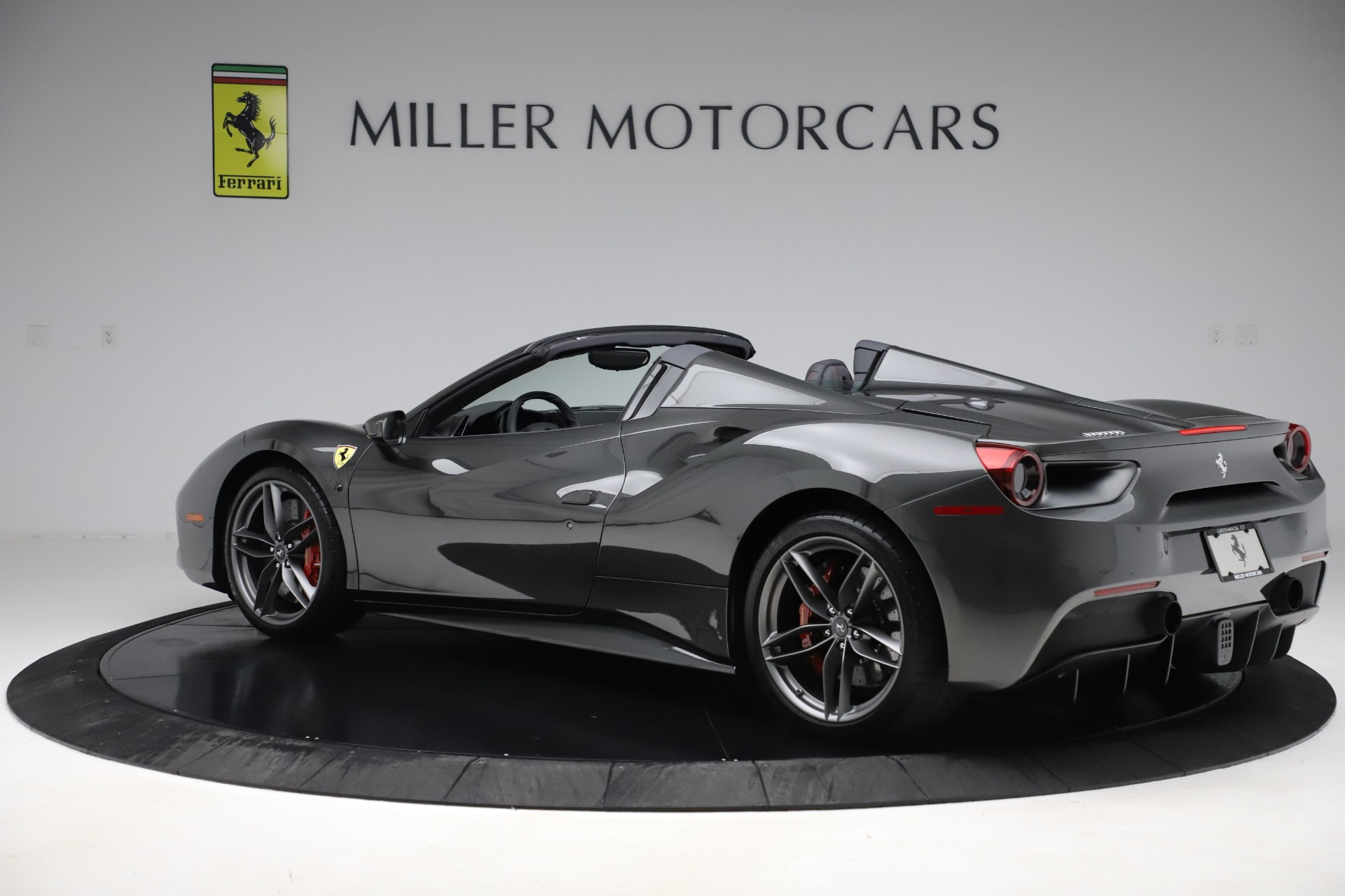 Used 2018 Ferrari 488 Spider  For Sale In Greenwich, CT 3584_p4