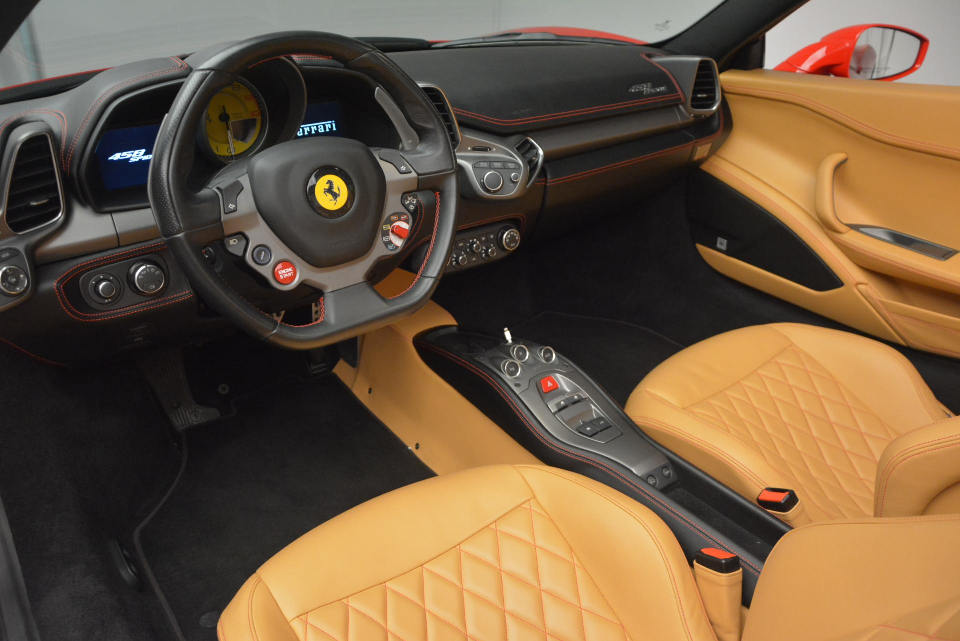 Used 2013 Ferrari 458 Spider  For Sale In Greenwich, CT 537_p25