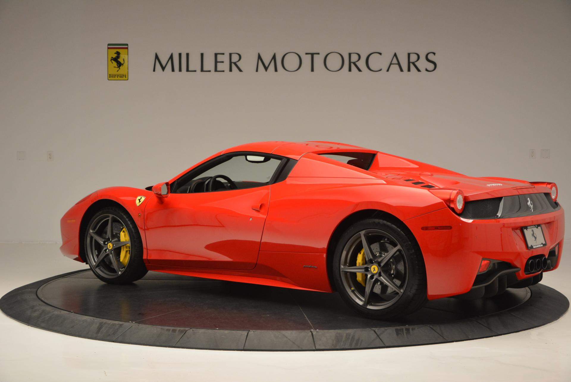 Used 2015 Ferrari 458 Spider  For Sale In Greenwich, CT 542_p16
