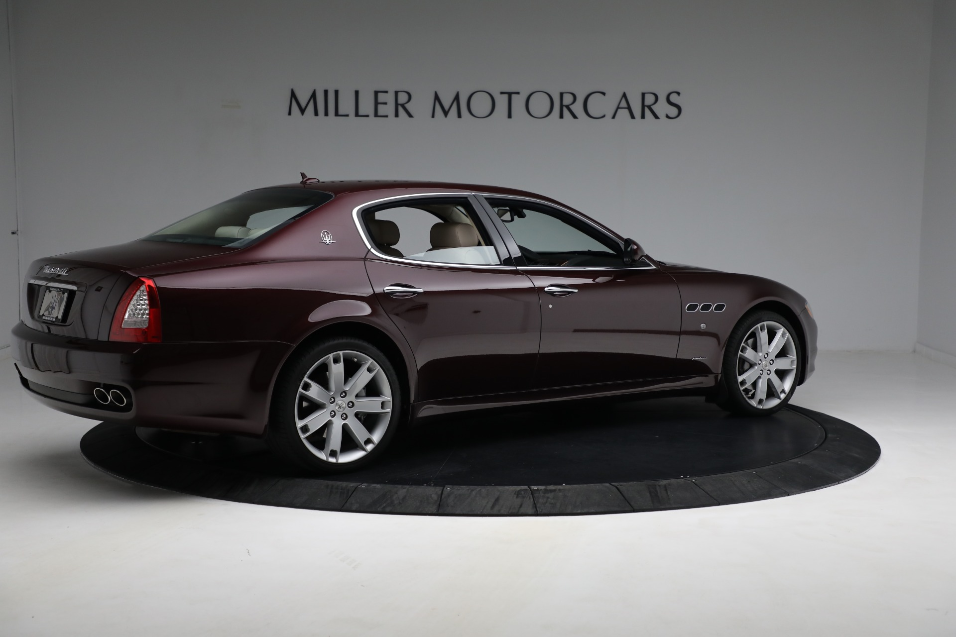 Used 2011 Maserati Quattroporte  For Sale In Greenwich, CT 552_p9