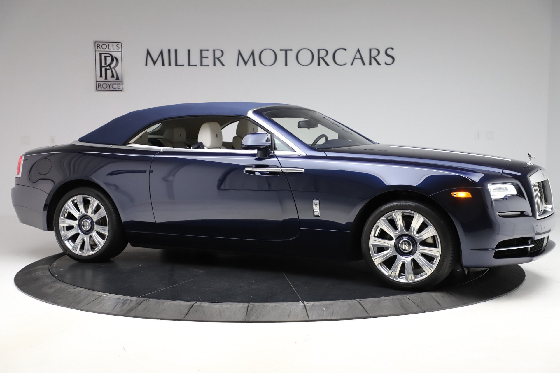 Used 2016 Rolls-Royce Dawn  For Sale In Greenwich, CT 553_p23