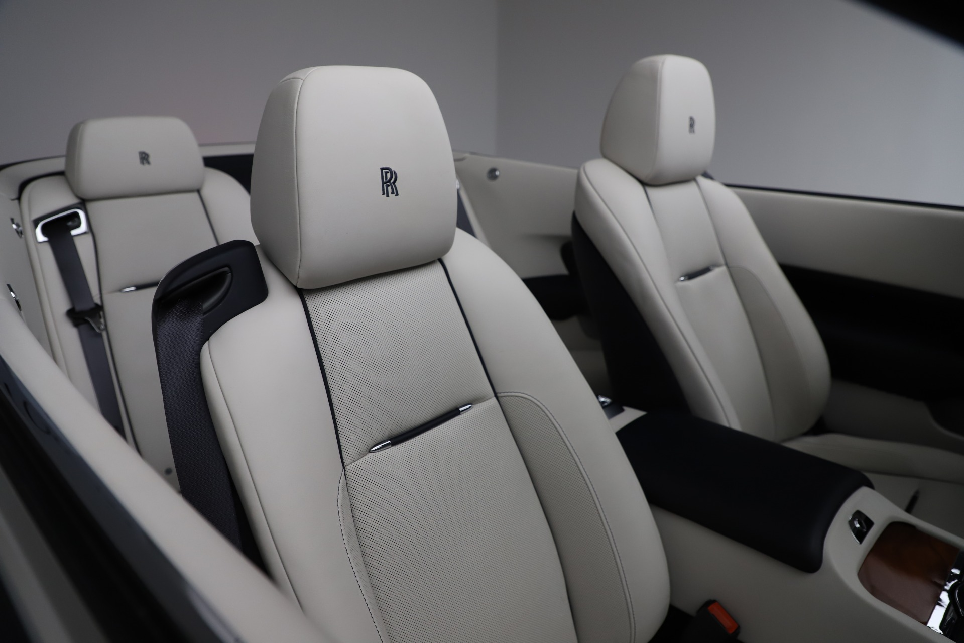 Used 2016 Rolls-Royce Dawn  For Sale In Greenwich, CT 553_p26