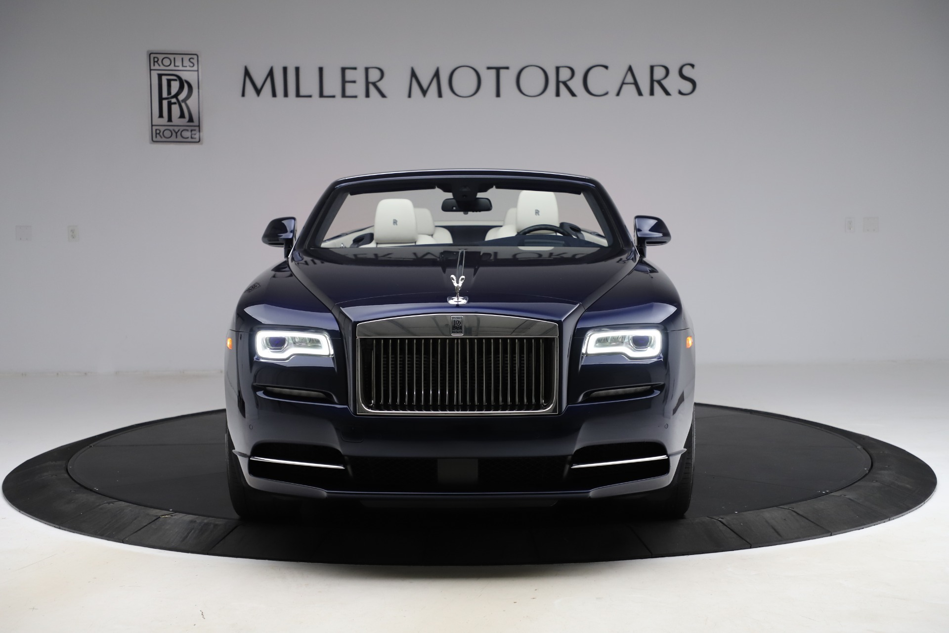 Used 2016 Rolls-Royce Dawn  For Sale In Greenwich, CT 553_p2