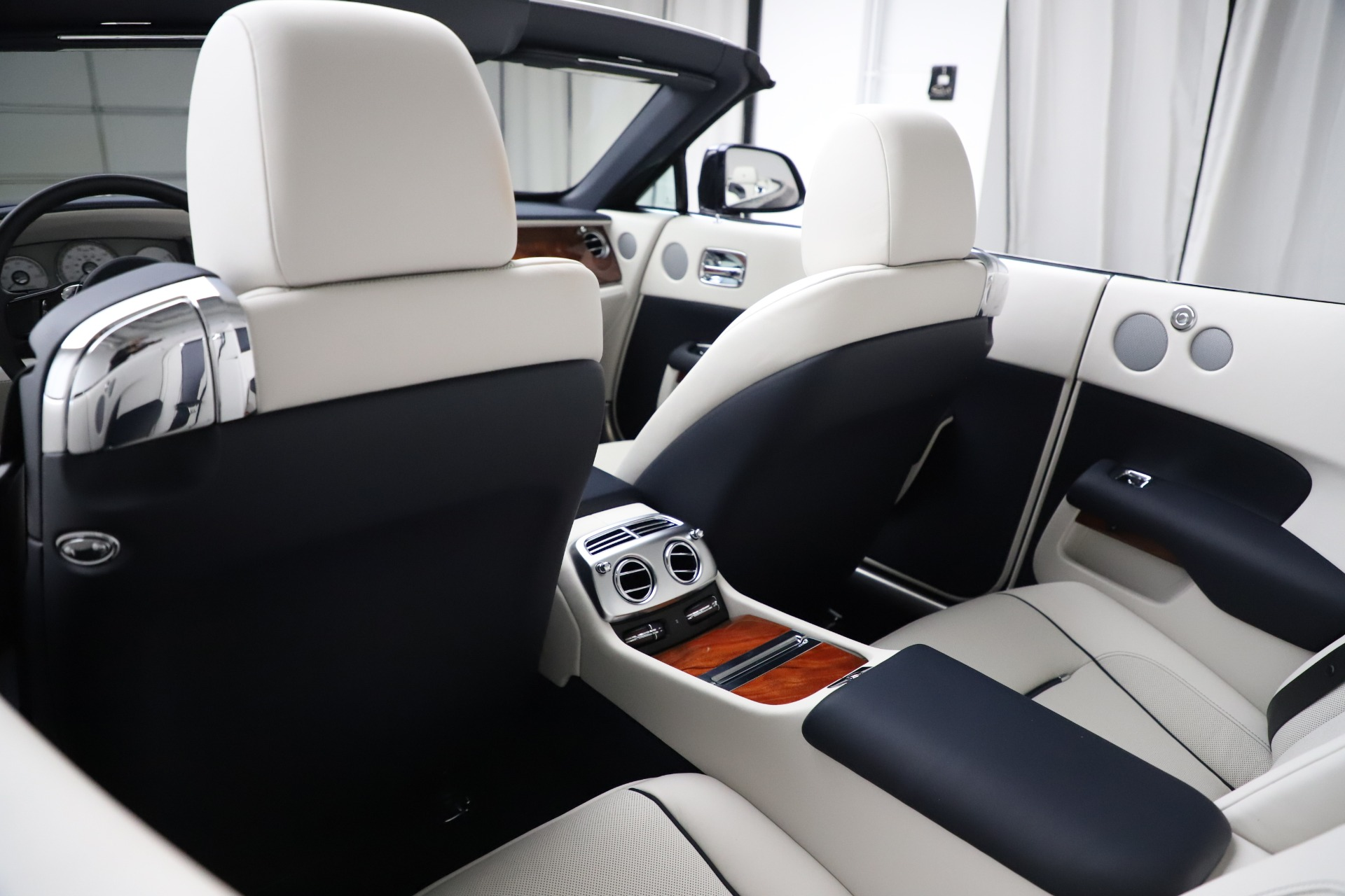 Used 2016 Rolls-Royce Dawn  For Sale In Greenwich, CT 553_p30