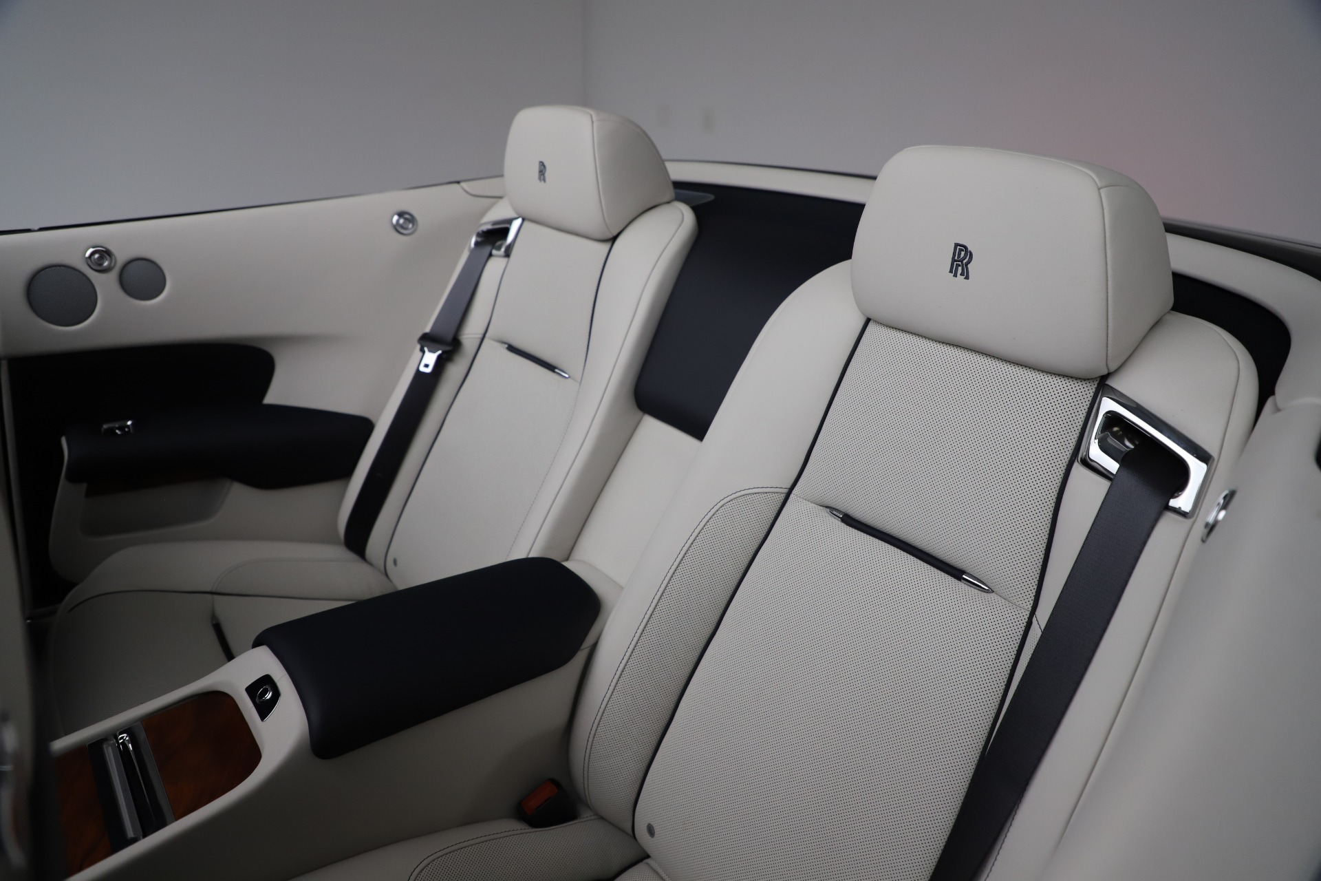 Used 2016 Rolls-Royce Dawn  For Sale In Greenwich, CT 553_p31
