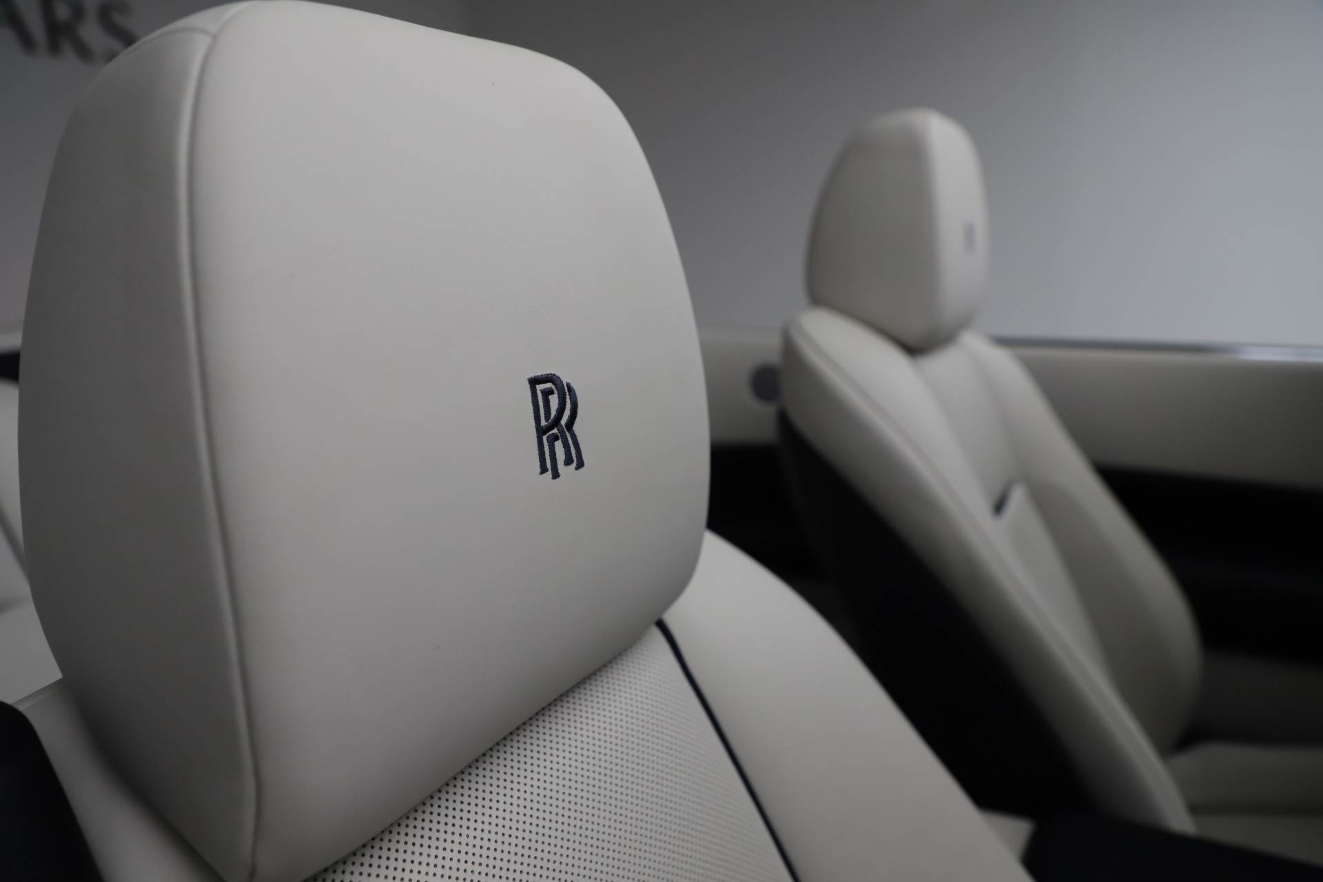 Used 2016 Rolls-Royce Dawn  For Sale In Greenwich, CT 553_p35