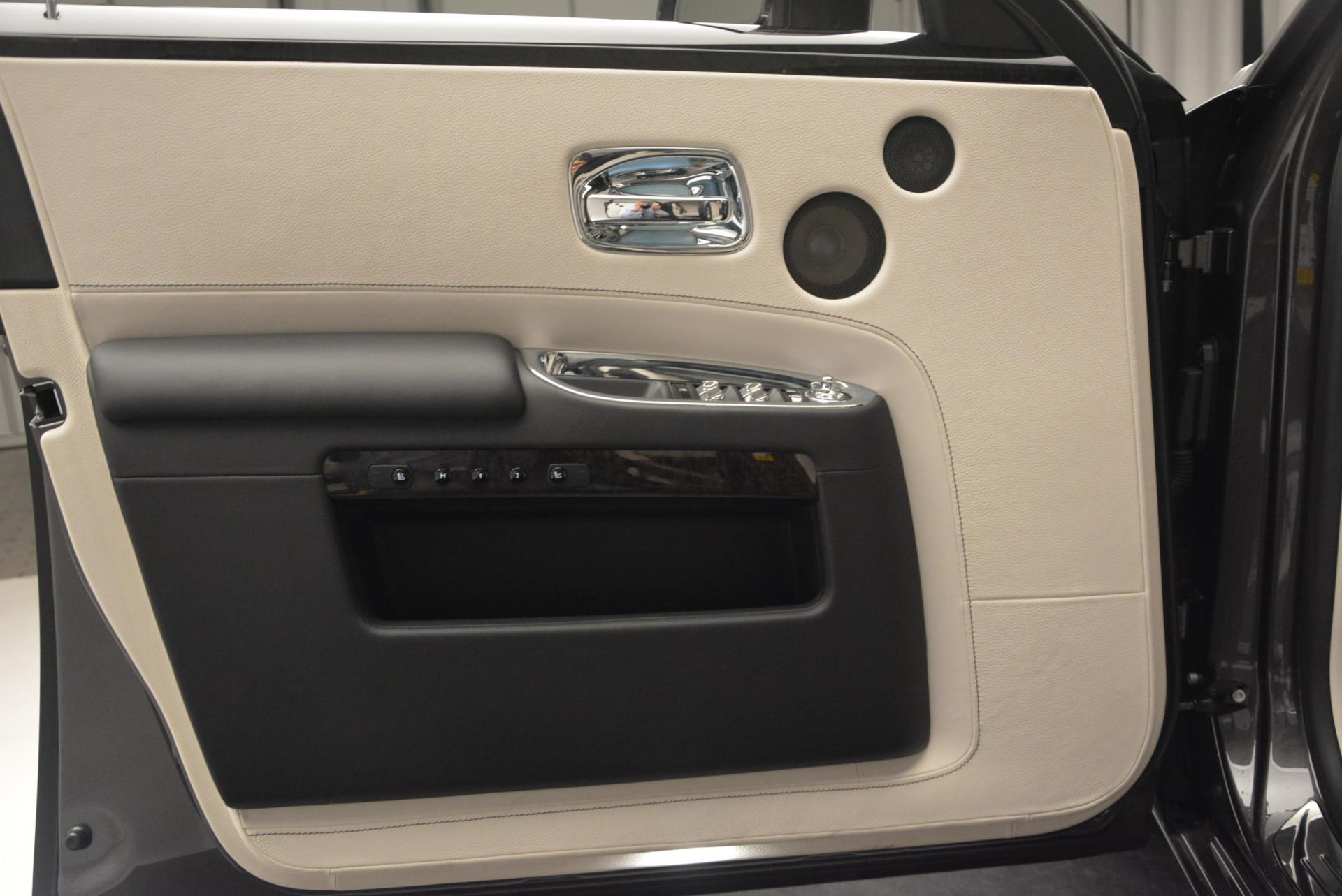 Used 2016 Rolls-Royce Ghost  For Sale In Greenwich, CT 557_p12