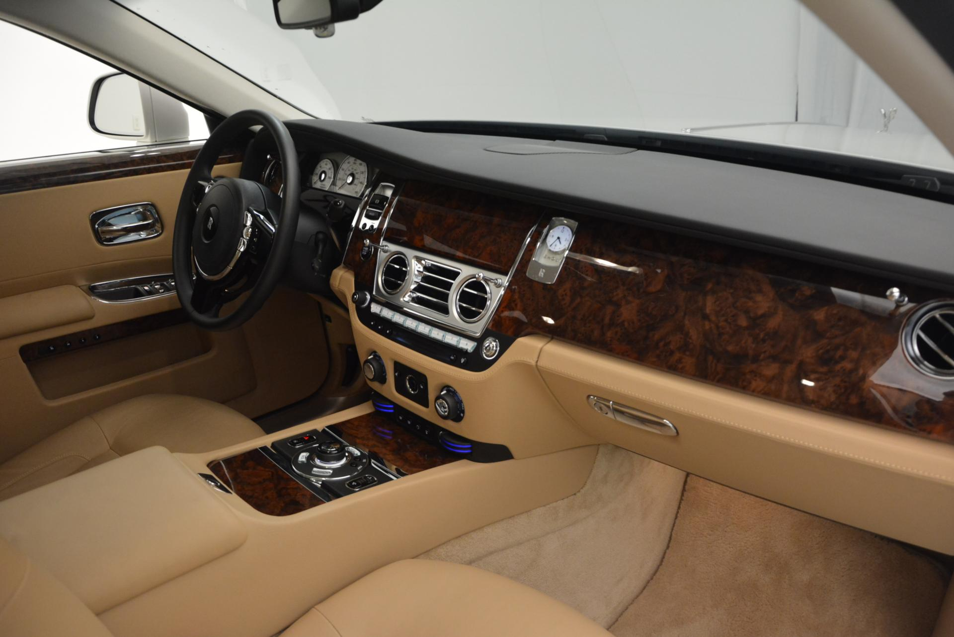 Used 2013 Rolls-Royce Ghost  For Sale In Greenwich, CT 558_p17