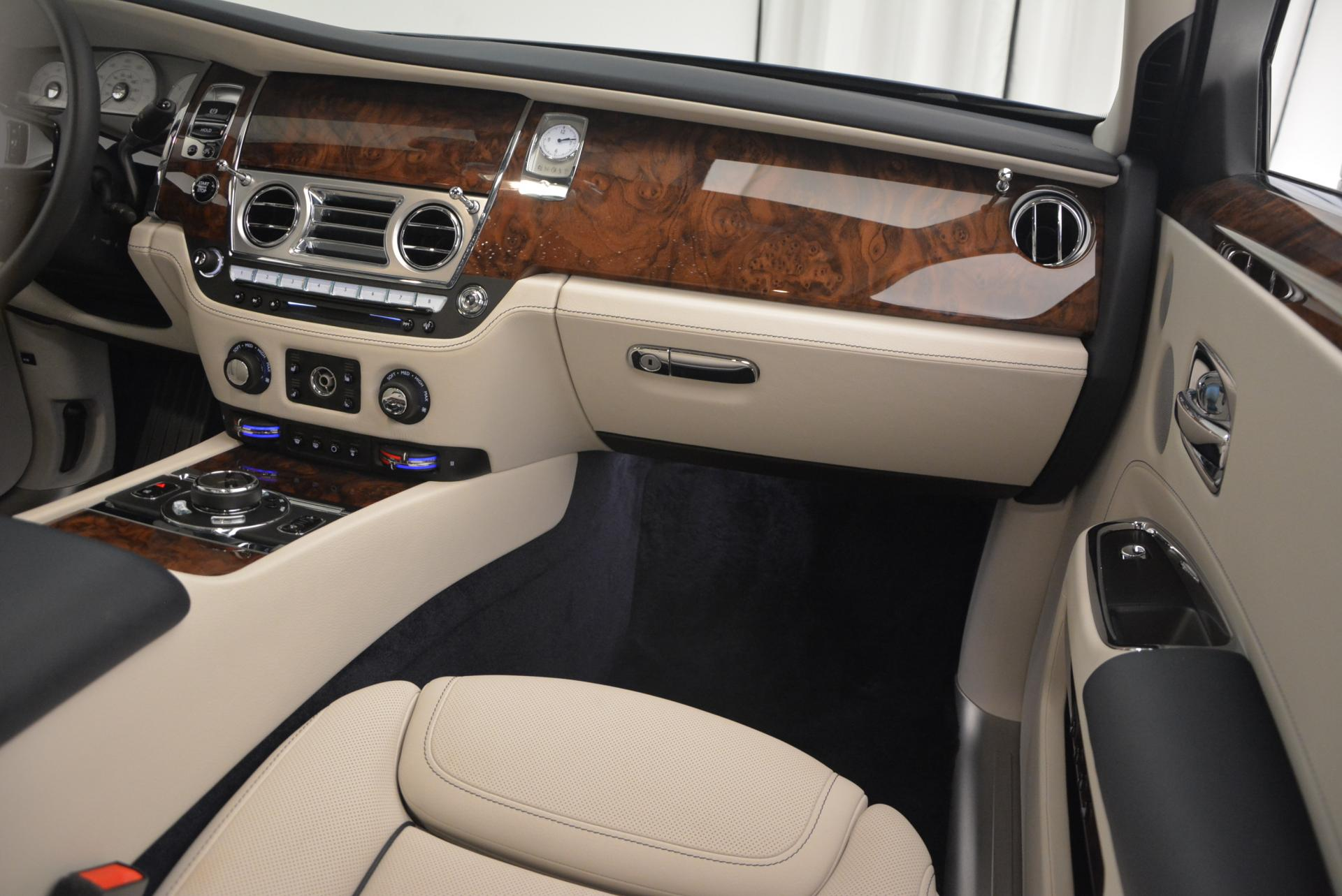 Used 2016 Rolls-Royce Ghost Series II  For Sale In Greenwich, CT 559_p23