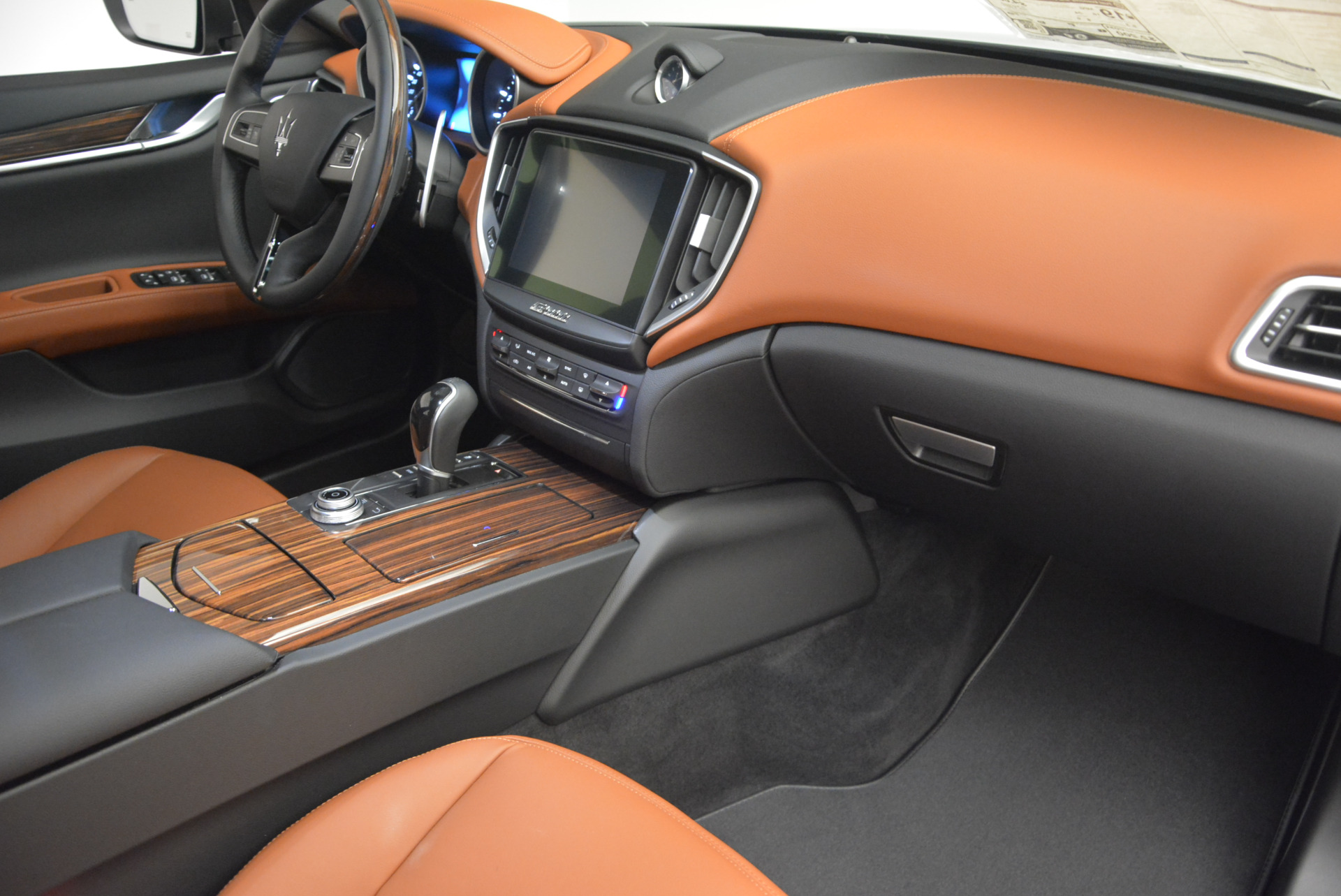 New 2017 Maserati Ghibli S Q4 For Sale In Greenwich, CT 573_p19