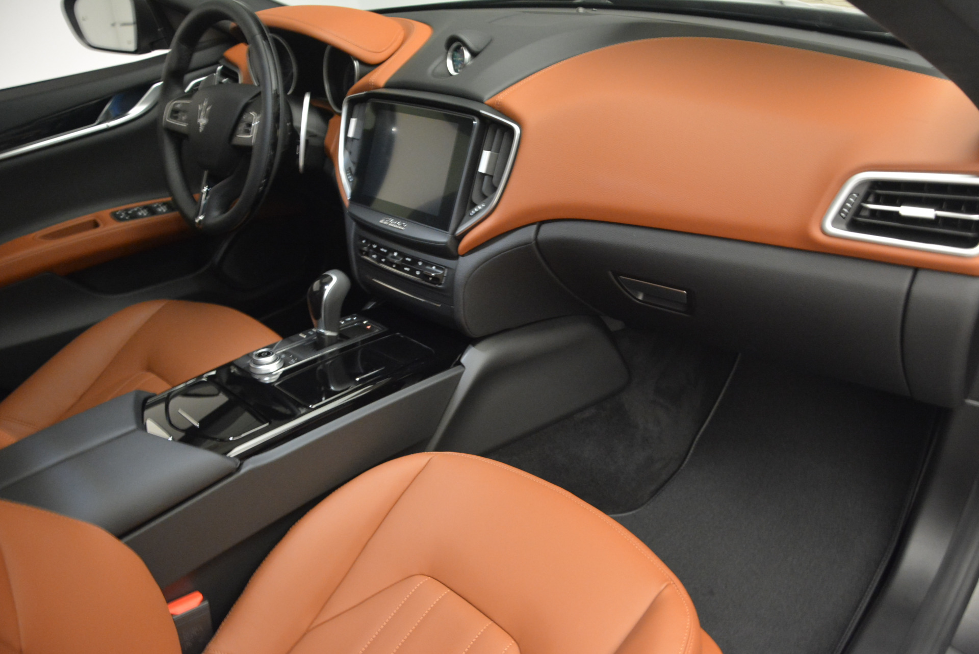 New 2017 Maserati Ghibli S Q4 For Sale In Greenwich, CT 574_p20
