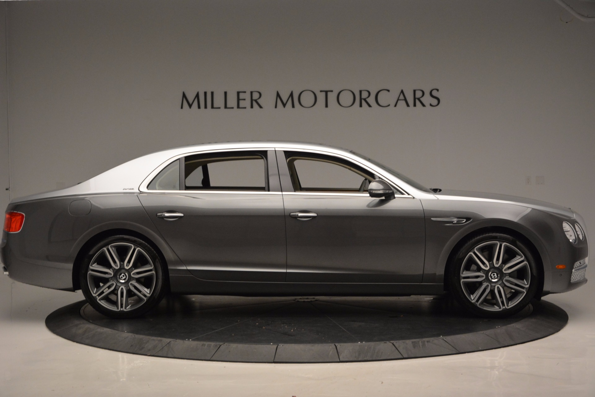 Used 2016 Bentley Flying Spur W12  For Sale In Greenwich, CT 617_p9