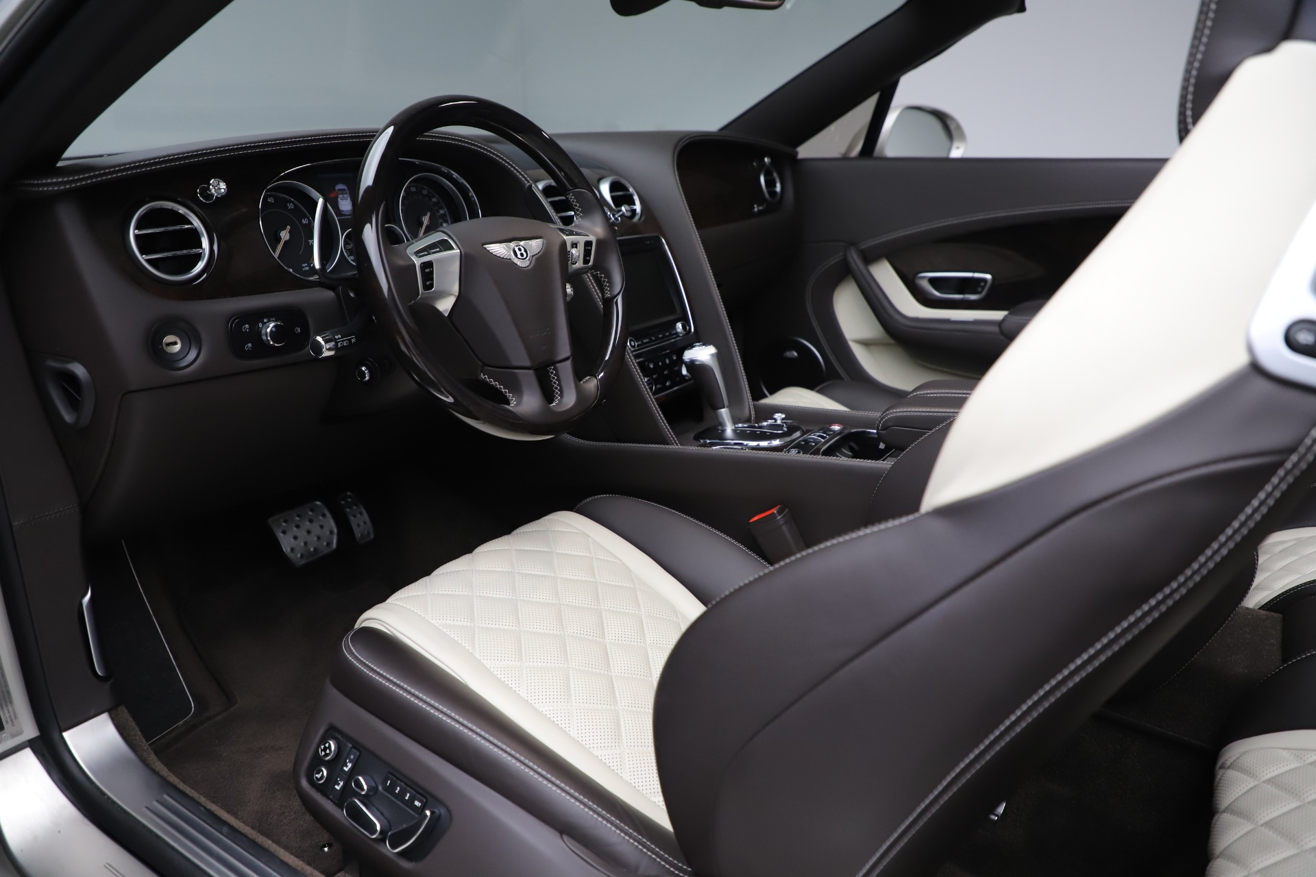 Used 2016 Bentley Continental GT Speed Convertible  For Sale In Greenwich, CT 619_p26