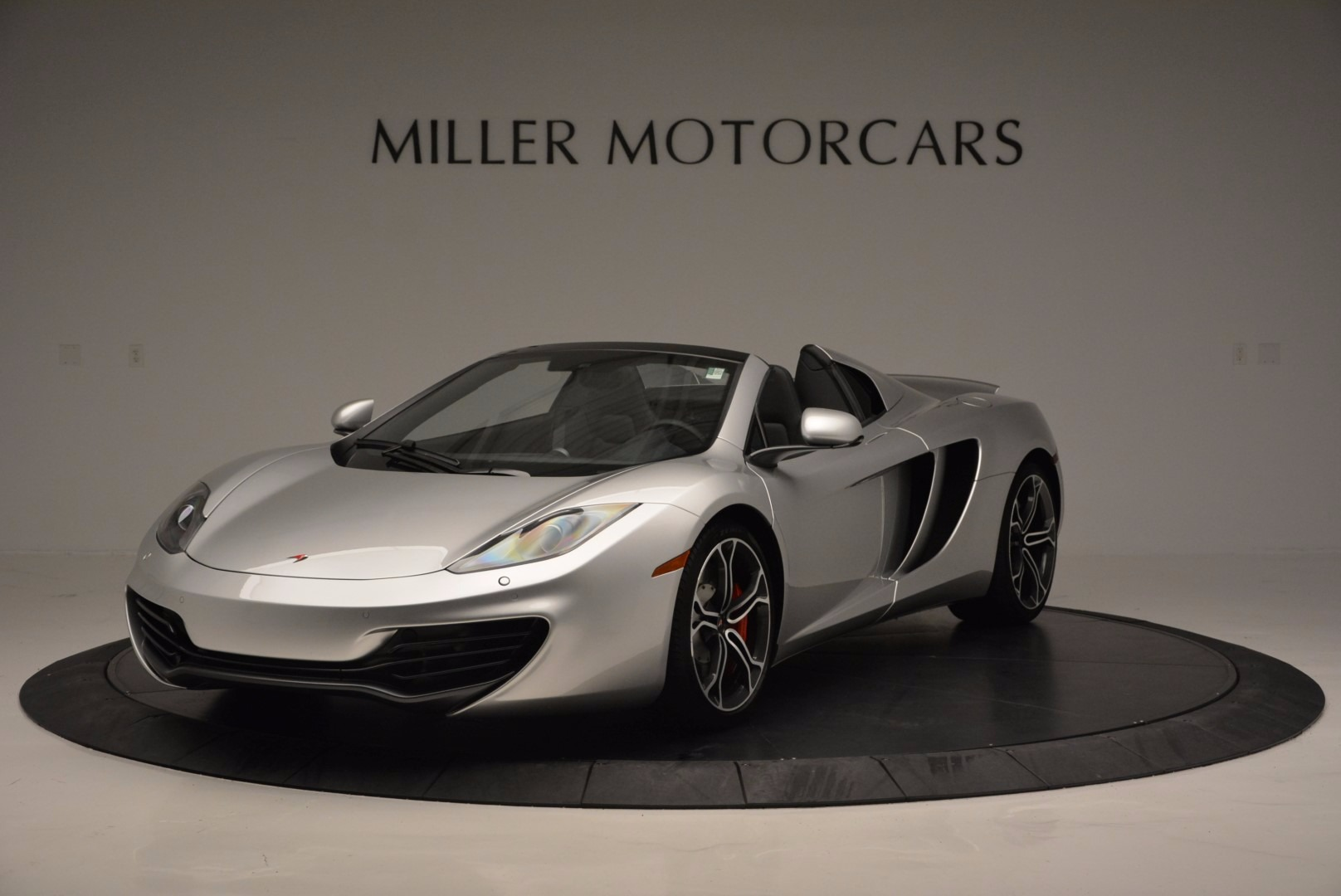 Used 2014 McLaren MP4-12C Spider  For Sale In Greenwich, CT 627_main