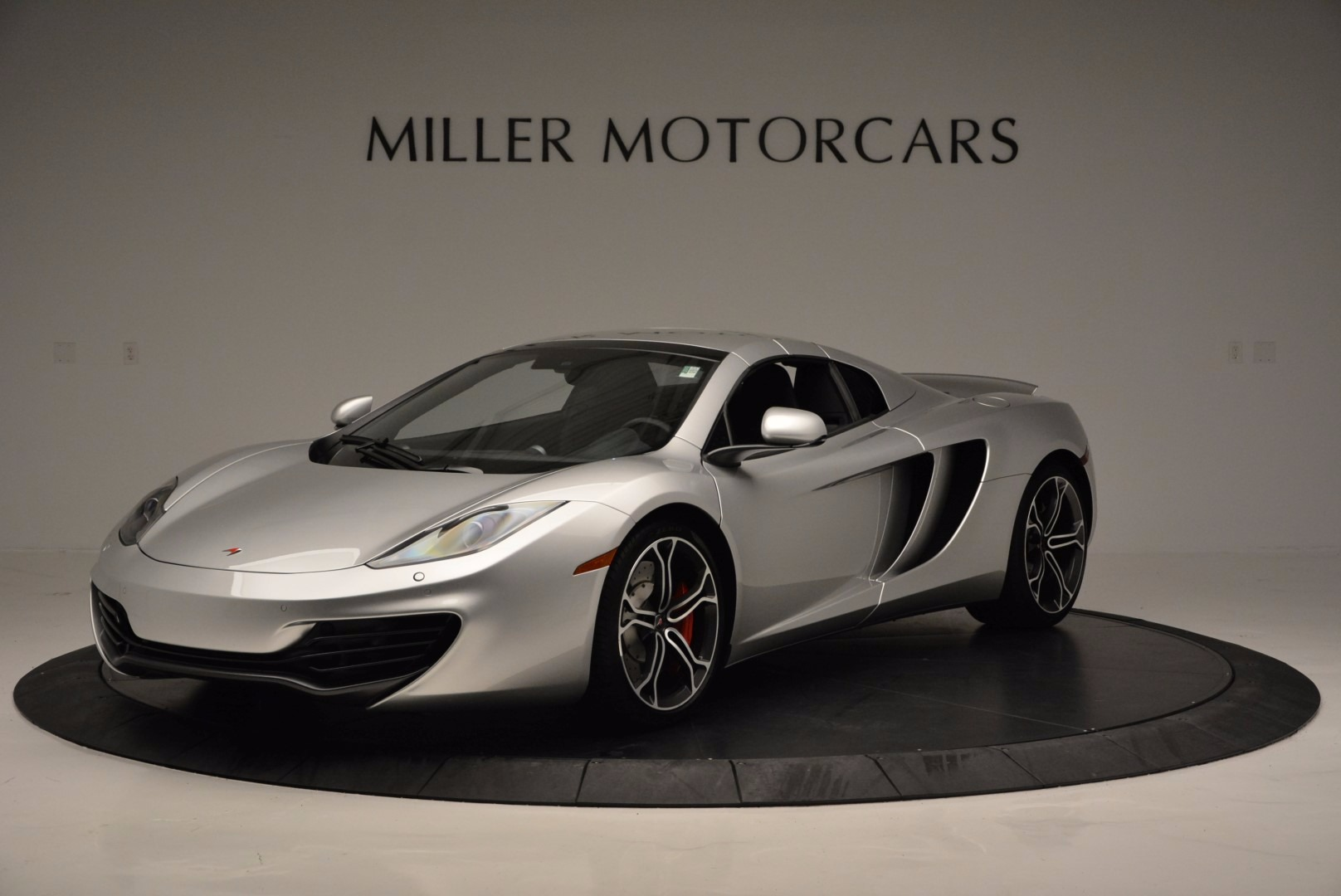 Used 2014 McLaren MP4-12C Spider  For Sale In Greenwich, CT 627_p15