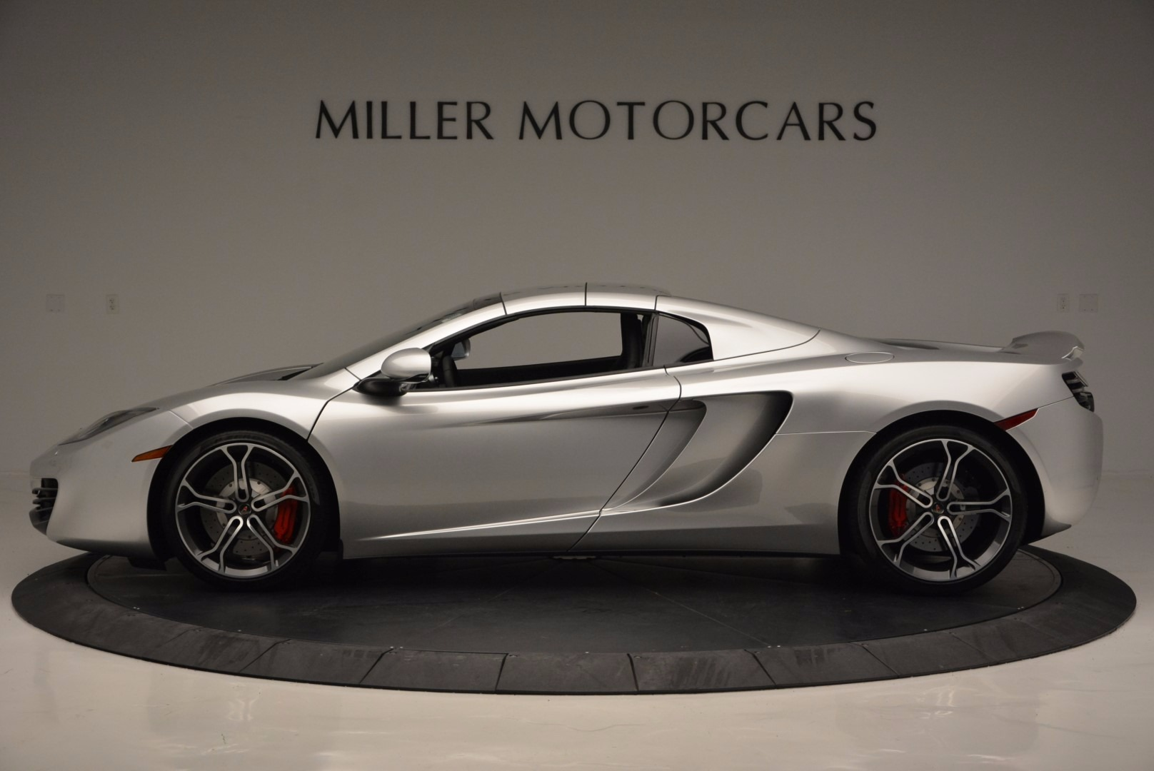 Used 2014 McLaren MP4-12C Spider  For Sale In Greenwich, CT 627_p16