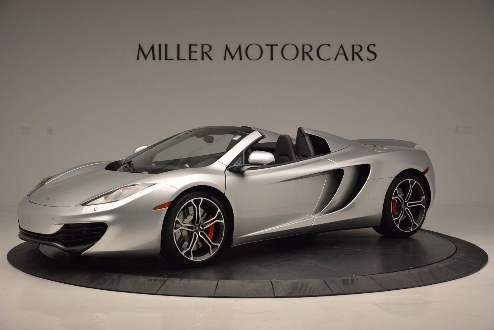Used 2014 McLaren MP4-12C Spider  For Sale In Greenwich, CT 627_p2