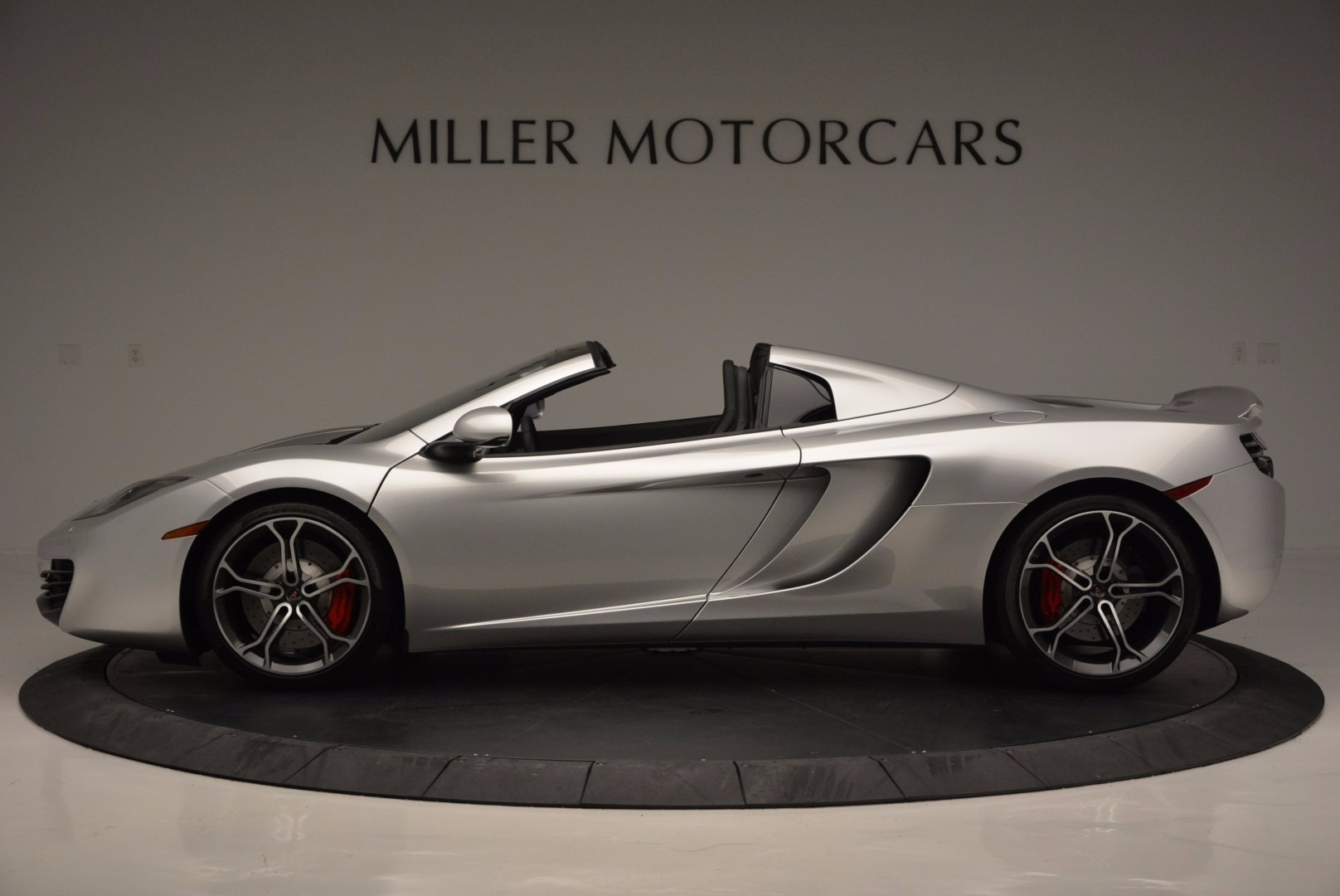 Used 2014 McLaren MP4-12C Spider  For Sale In Greenwich, CT 627_p3