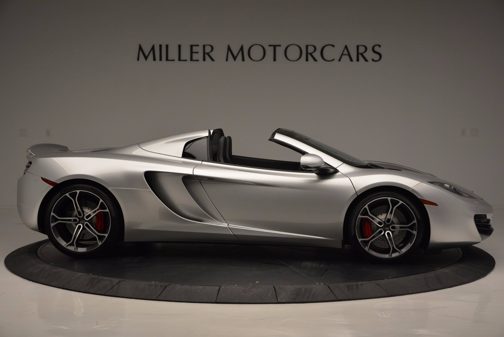 Used 2014 McLaren MP4-12C Spider  For Sale In Greenwich, CT 627_p9