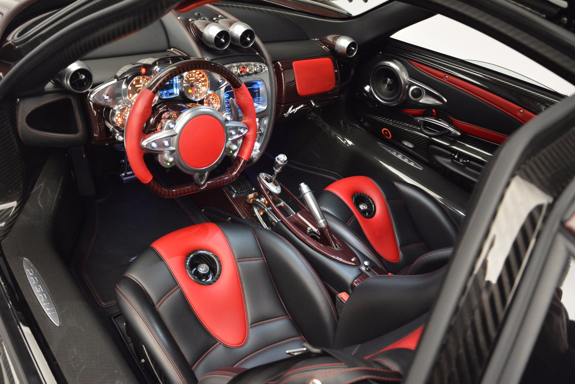 Used 2014 Pagani Huyara  For Sale In Greenwich, CT 633_p10
