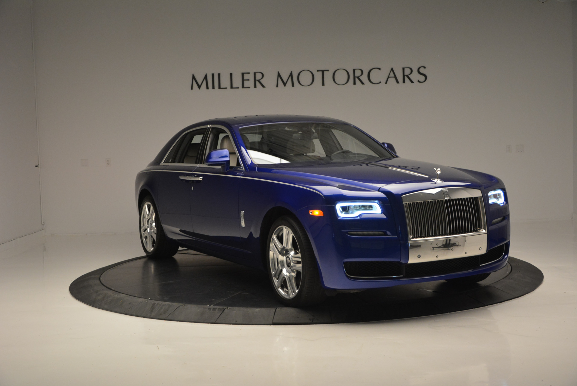 Used 2016 ROLLS-ROYCE GHOST SERIES II  For Sale In Greenwich, CT 634_p13